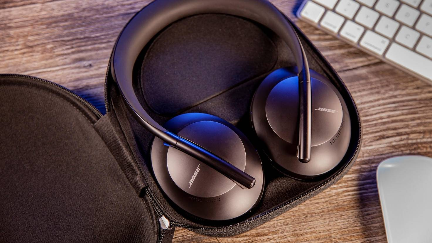 bose-headphones-700-9