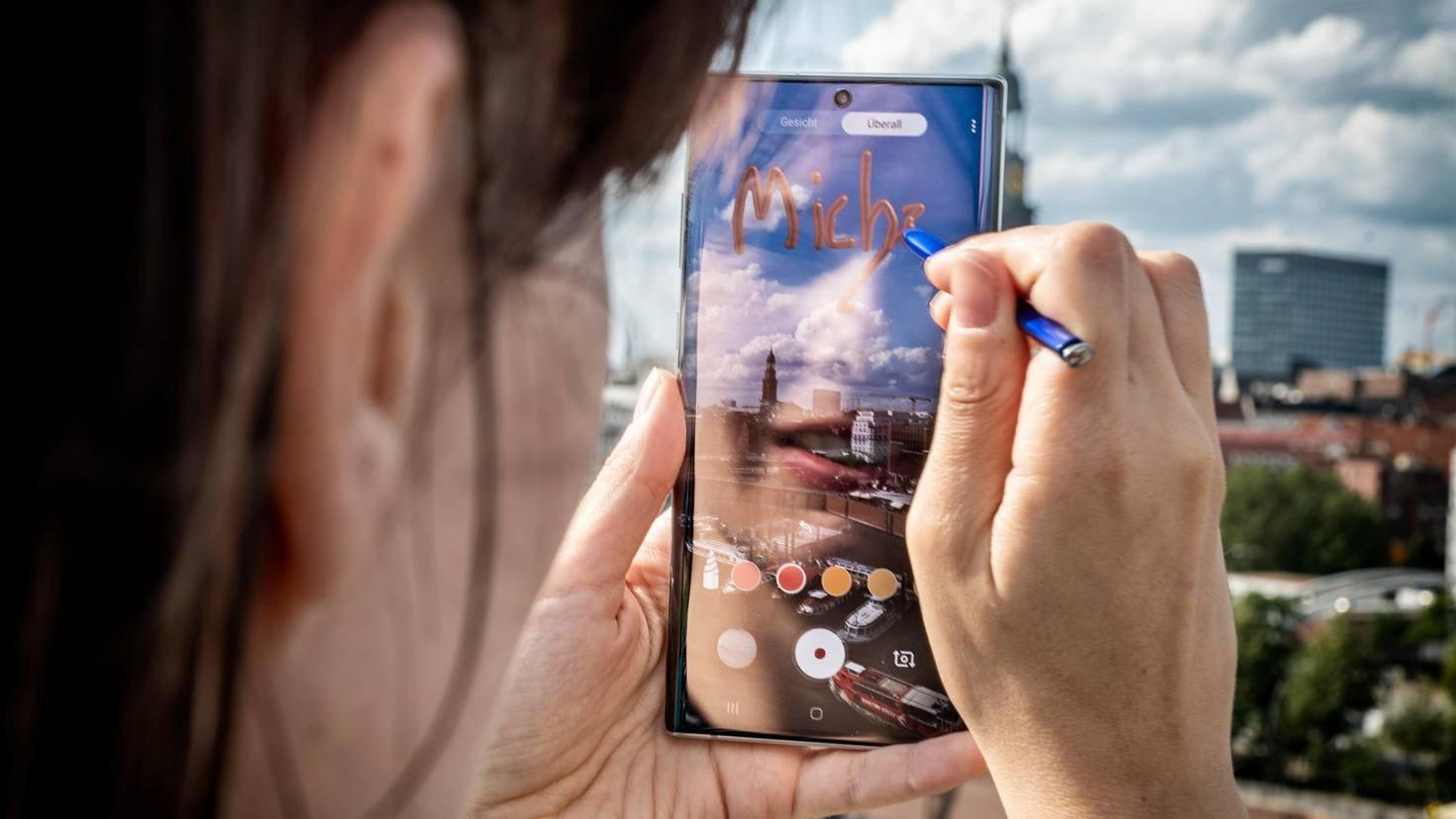 Galaxy Note 10 Plus AR-Doodle