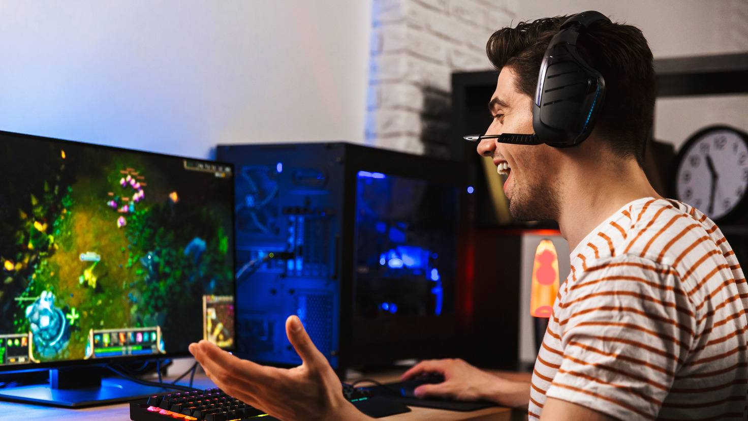 gaming-pc-monitor-rechner-desktop-gamer