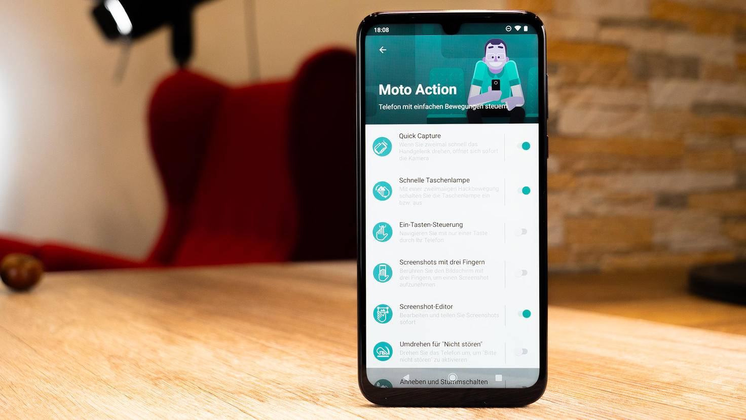 Motorola-Moto-G8-Plus-6