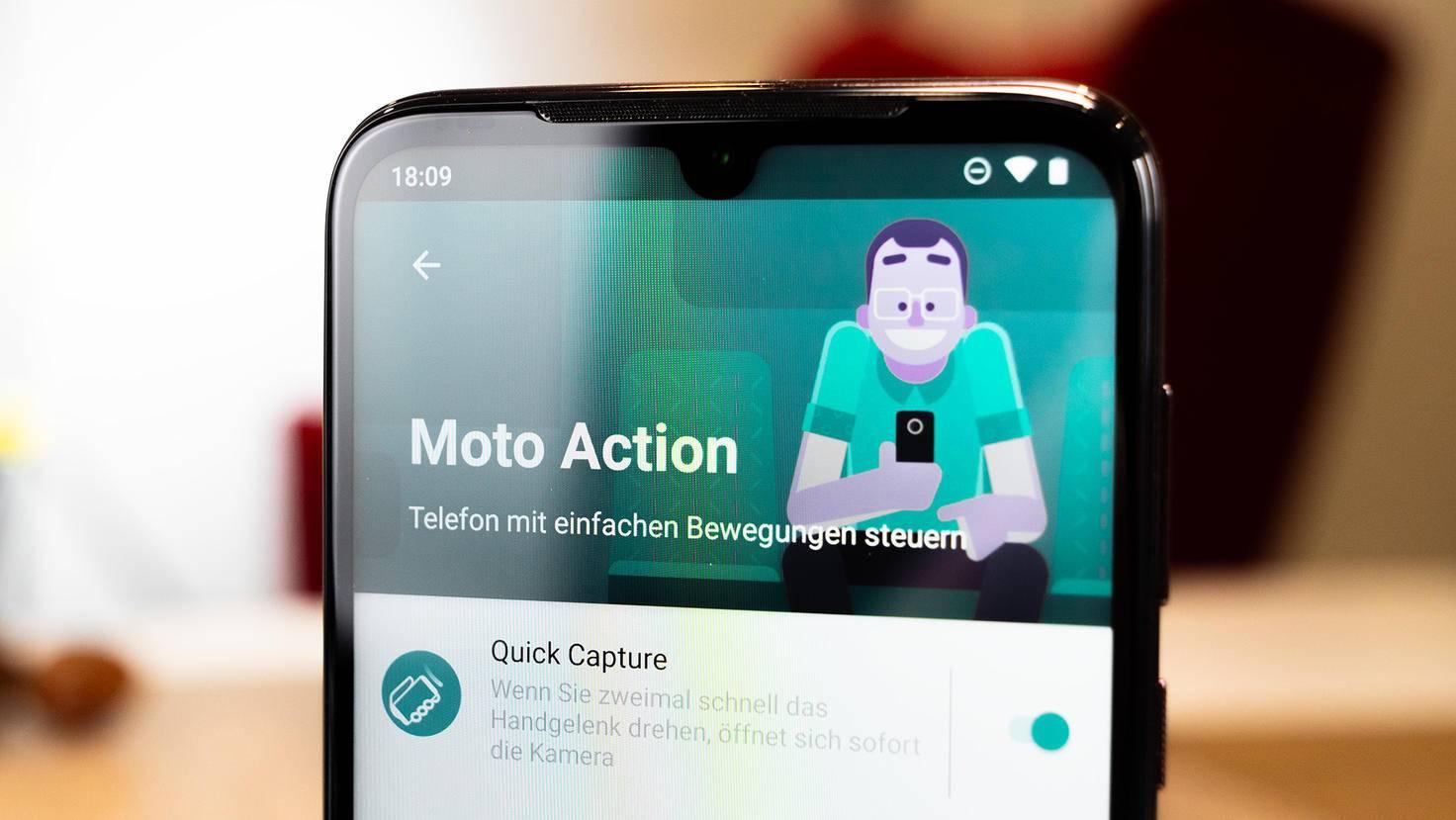Motorola-Moto-G8-Plus-8