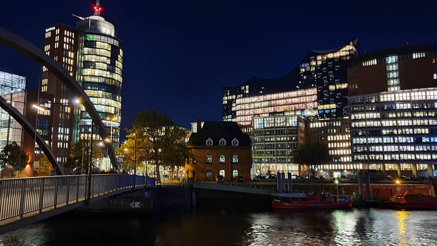 Galaxy Note 10 HafenCity mit Nachtmodus