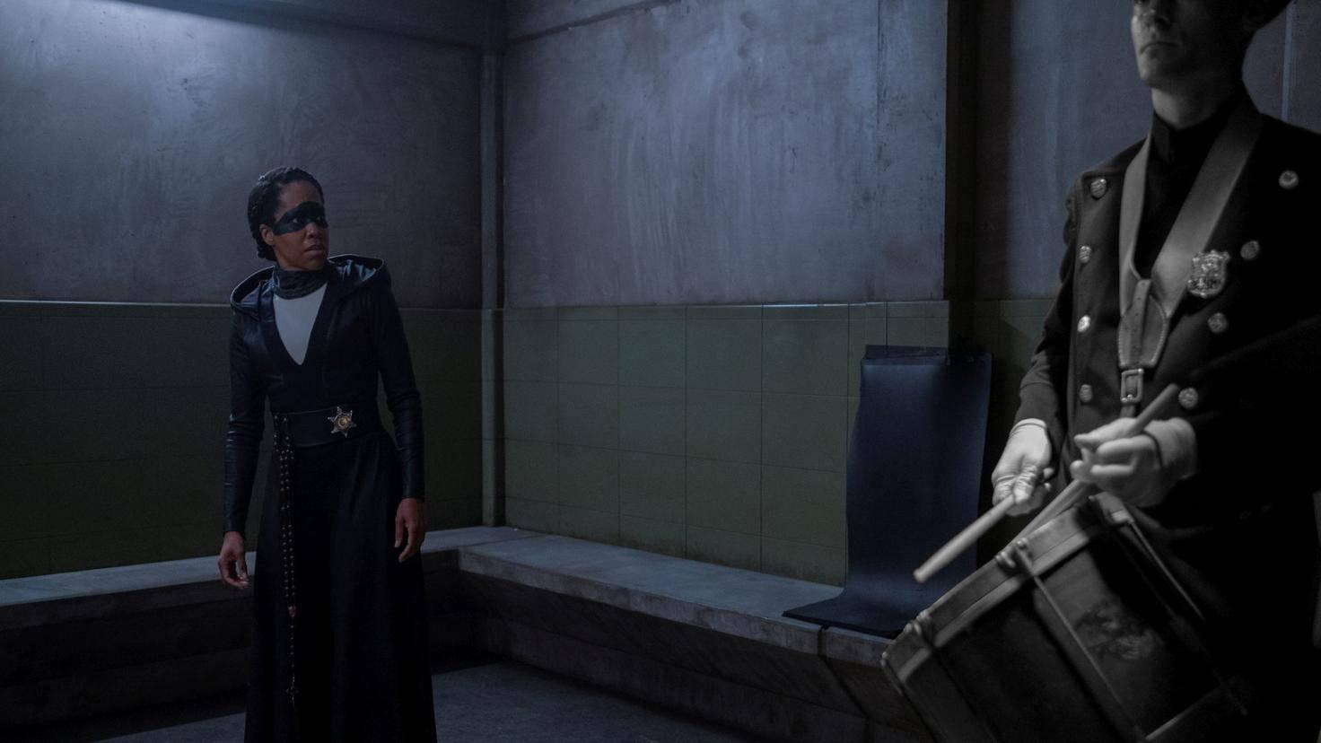 Watchmen-Angela-Flashback