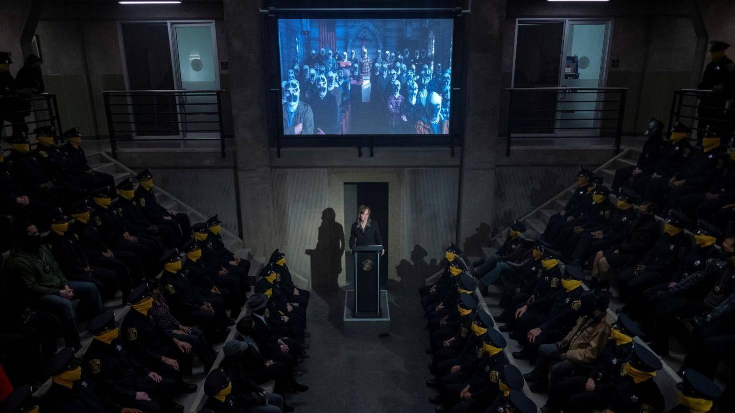 Watchmen-Laurie-Polizei
