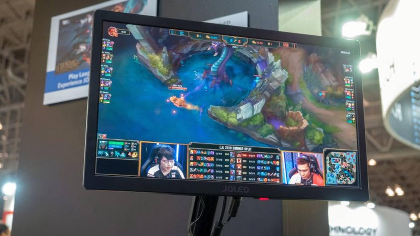 full-hd-oled-gaming-monitor-joled-burning-core