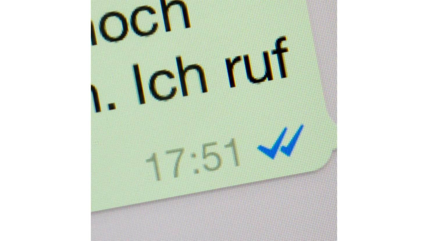 blaue haken whatsapp