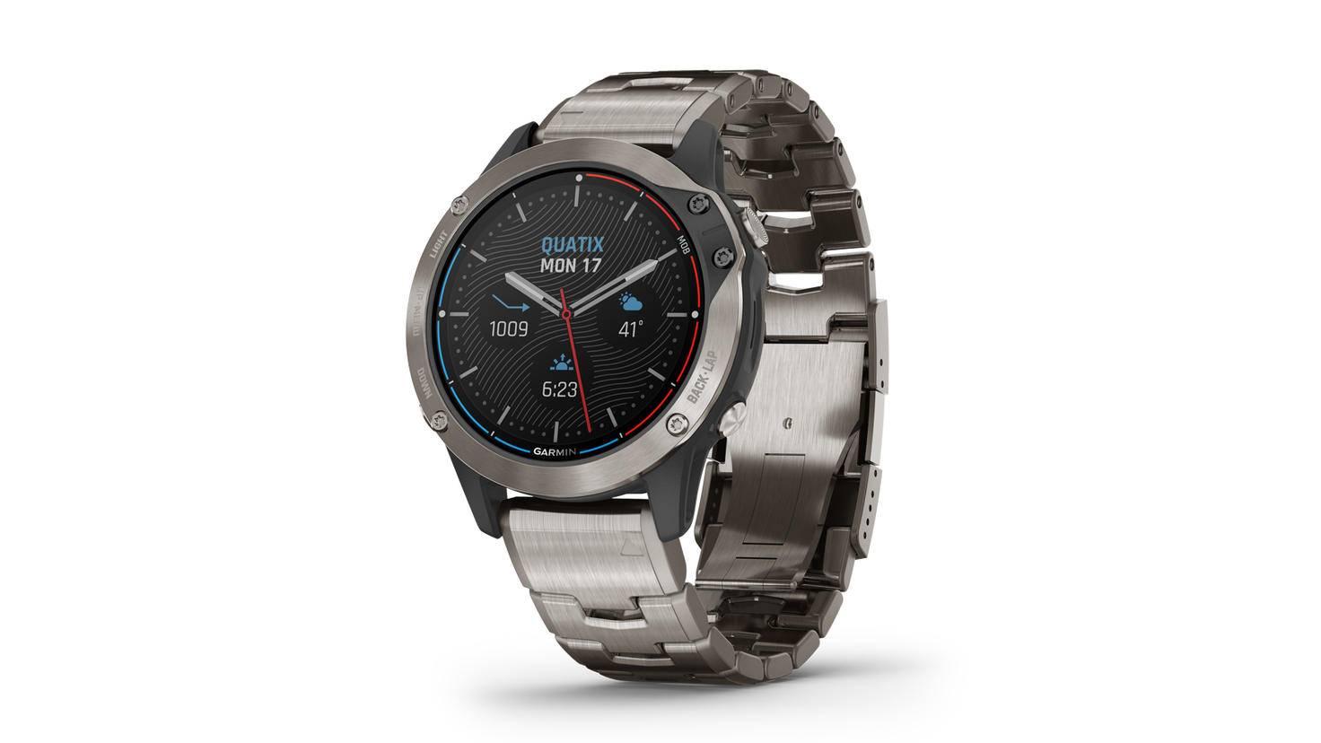 Garmin quatix 6 smartwatch