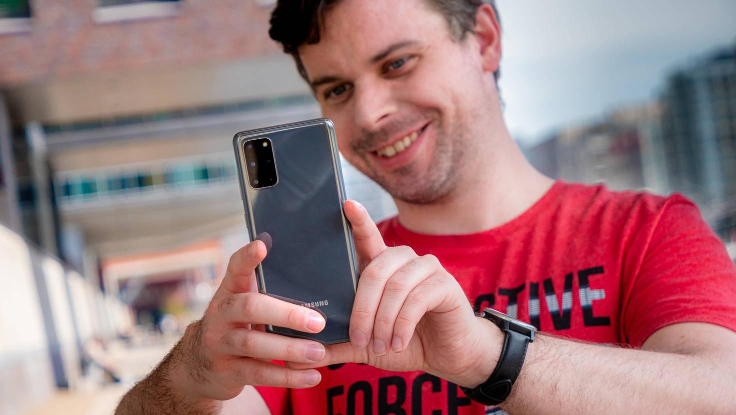 Samsung-Galaxy-S20-Plus-01