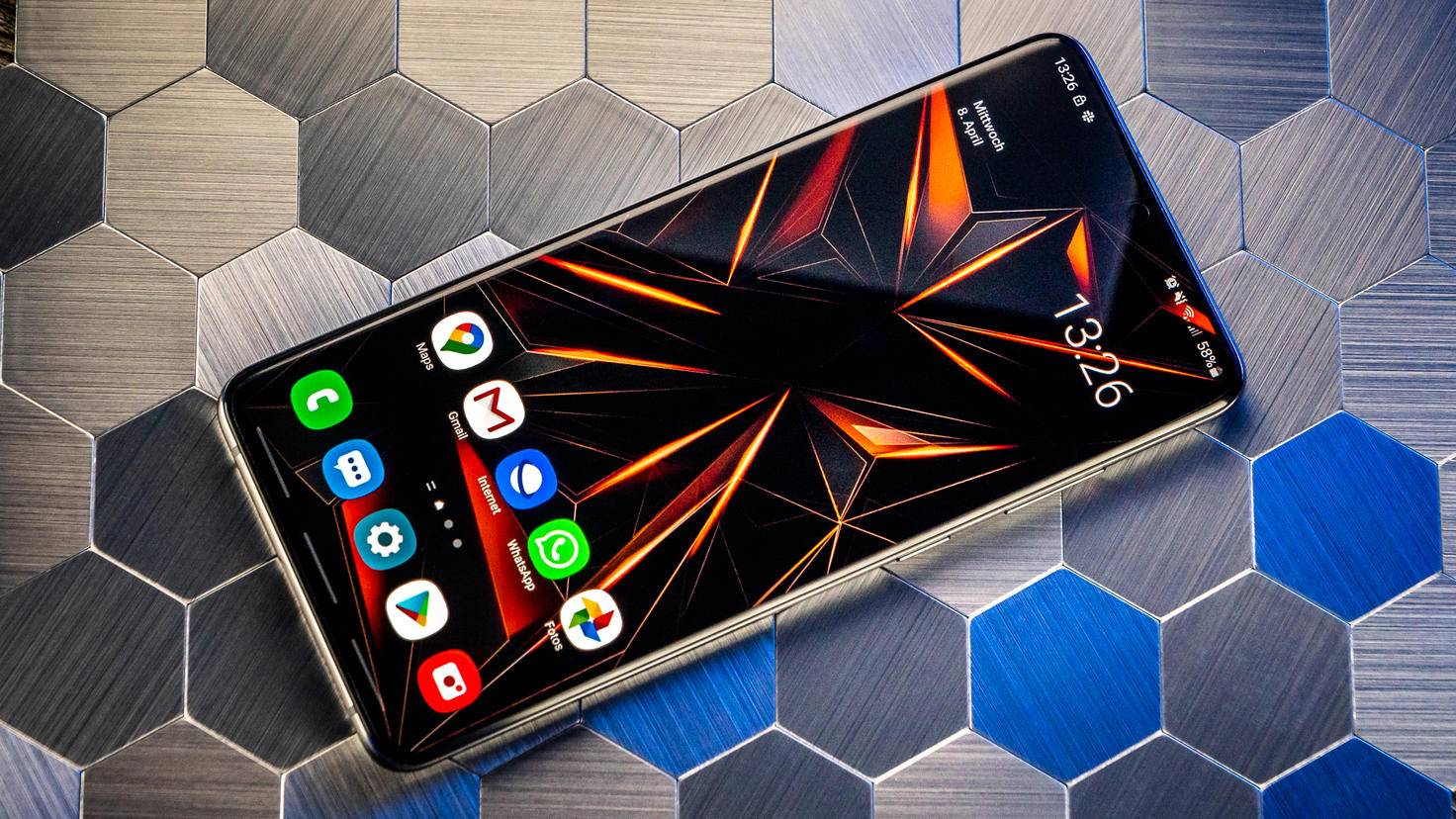Samsung-Galaxy-S20-Plus-02