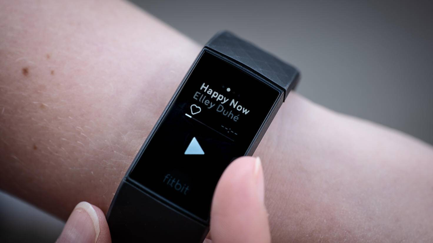 Fitbit Charge 4 Spotify