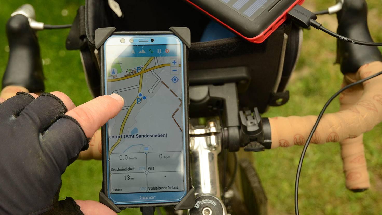 Fahrrad Navi am Lenker mit Lenkertasche