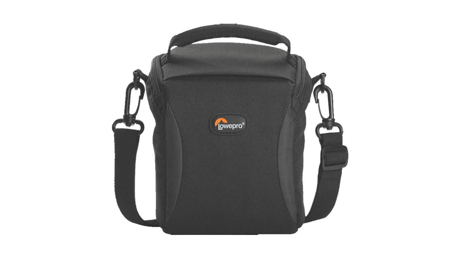 Die Lowepro-Tasche bietet Platz für eine DSLR mit aufgestecktem Objektiv ...