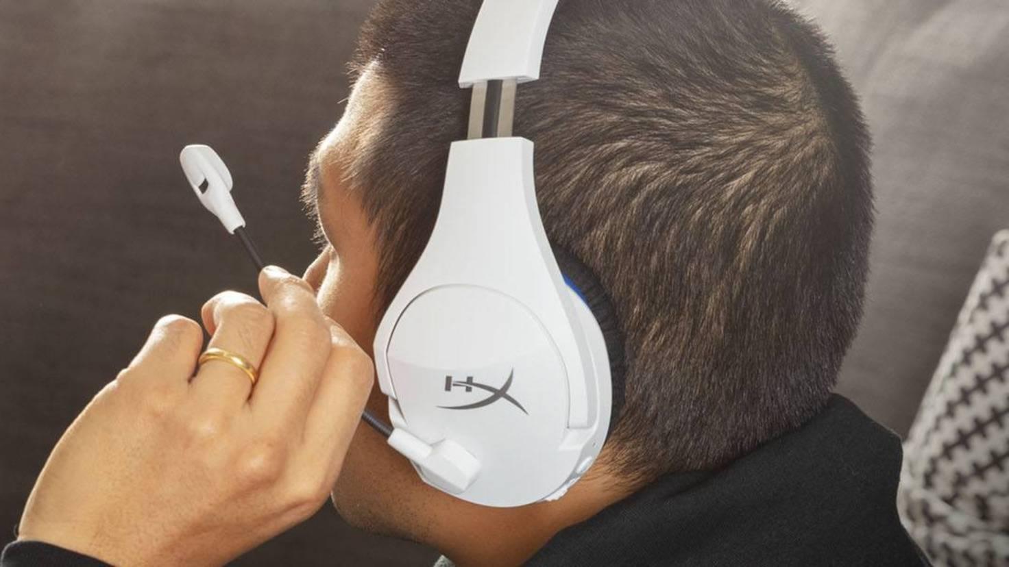 headset-cloud-stinger-core-wireless-ps4-lifestyle-2-ausschnitt