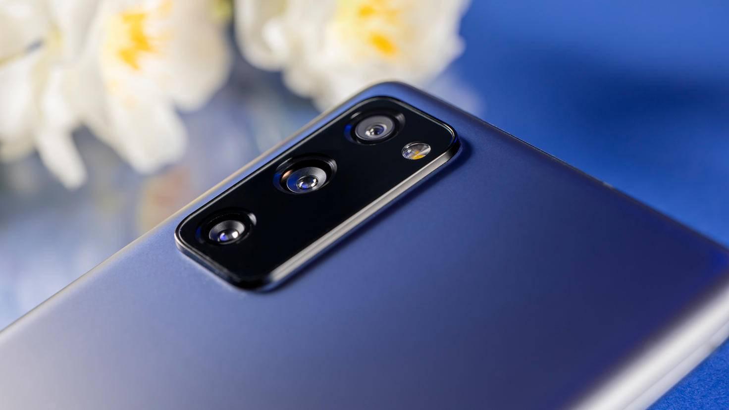 Samsung-Galaxy-S20-FE-03