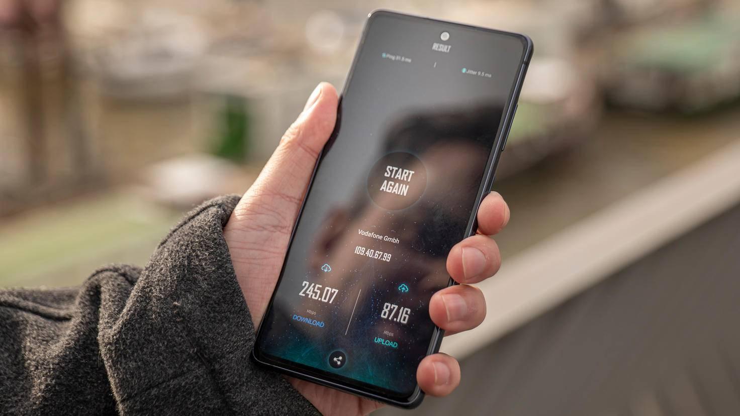 Samsung-Galaxy-S20-FE-07