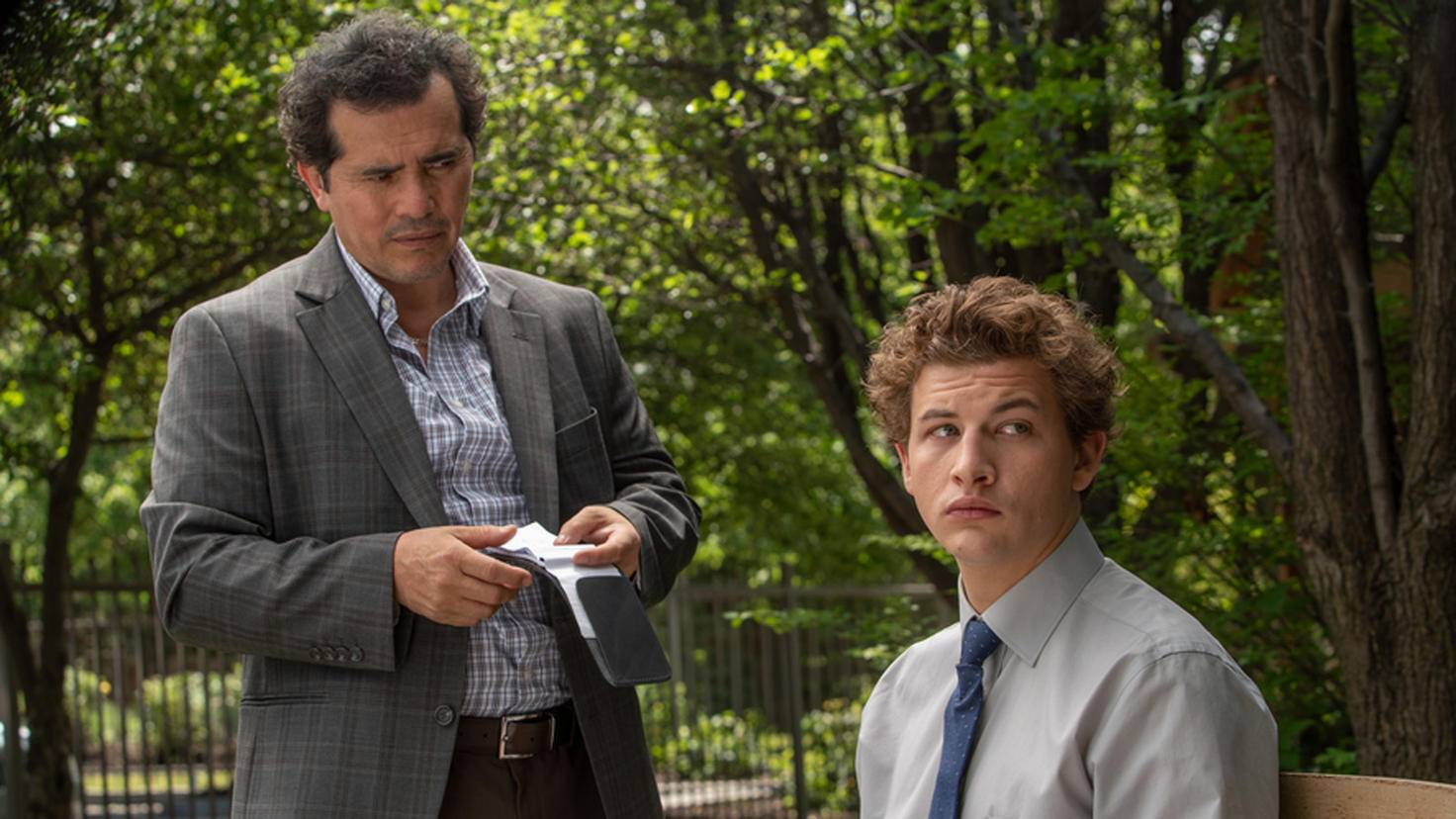 The Night Clerk John Leguizamo und Tye Sheridan