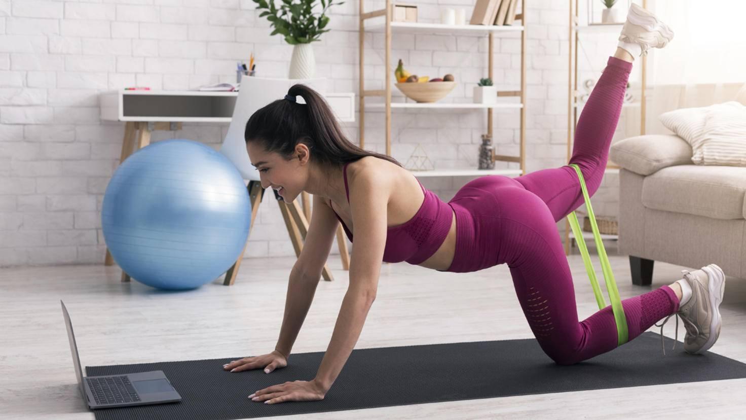 fitnessstudio-zu-hause-guenstige-geraete-fitnessbaender