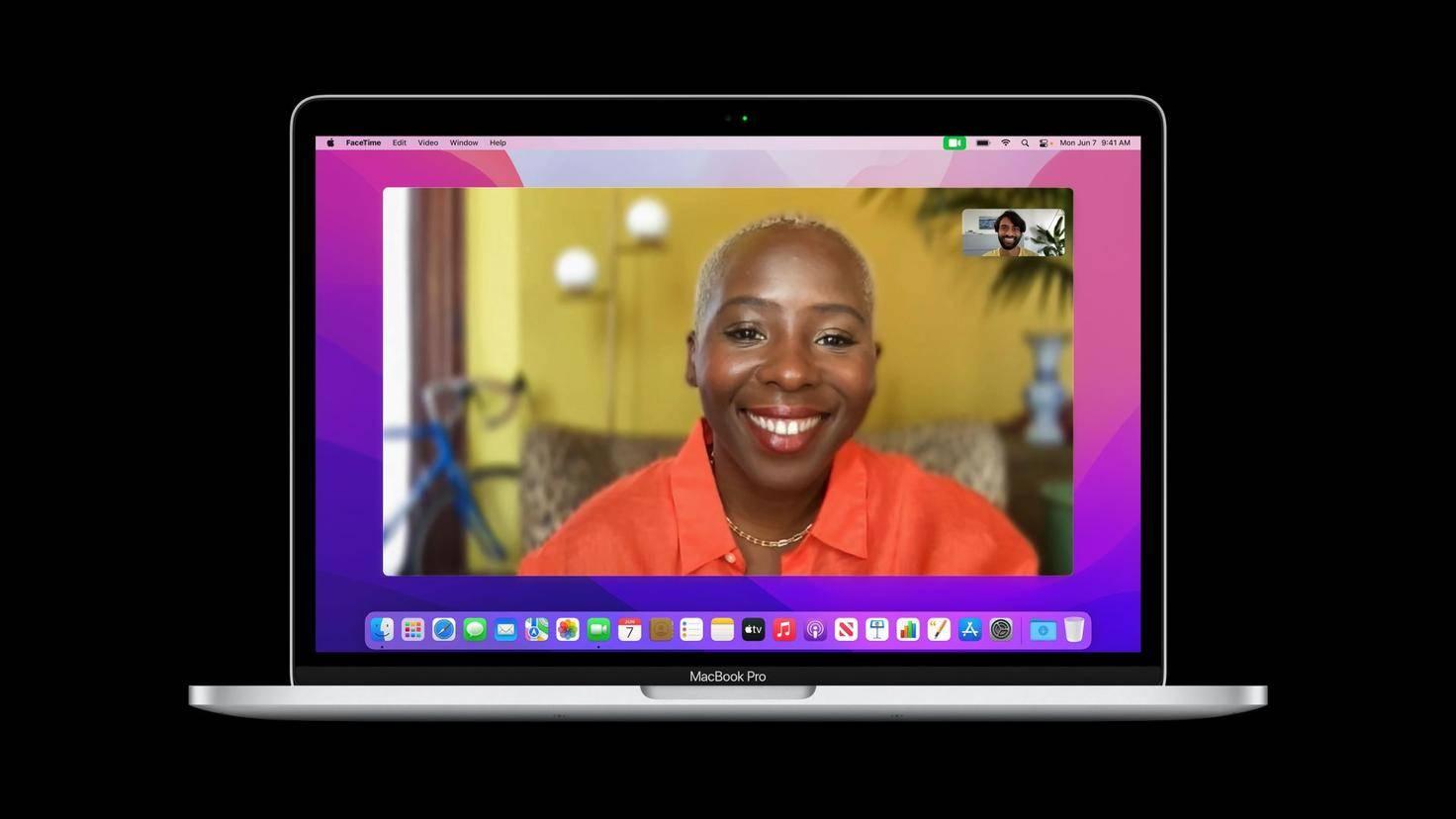 macOS-Monterey-MacBookPro-FaceTime-Portrait-mode_screen-full-hd