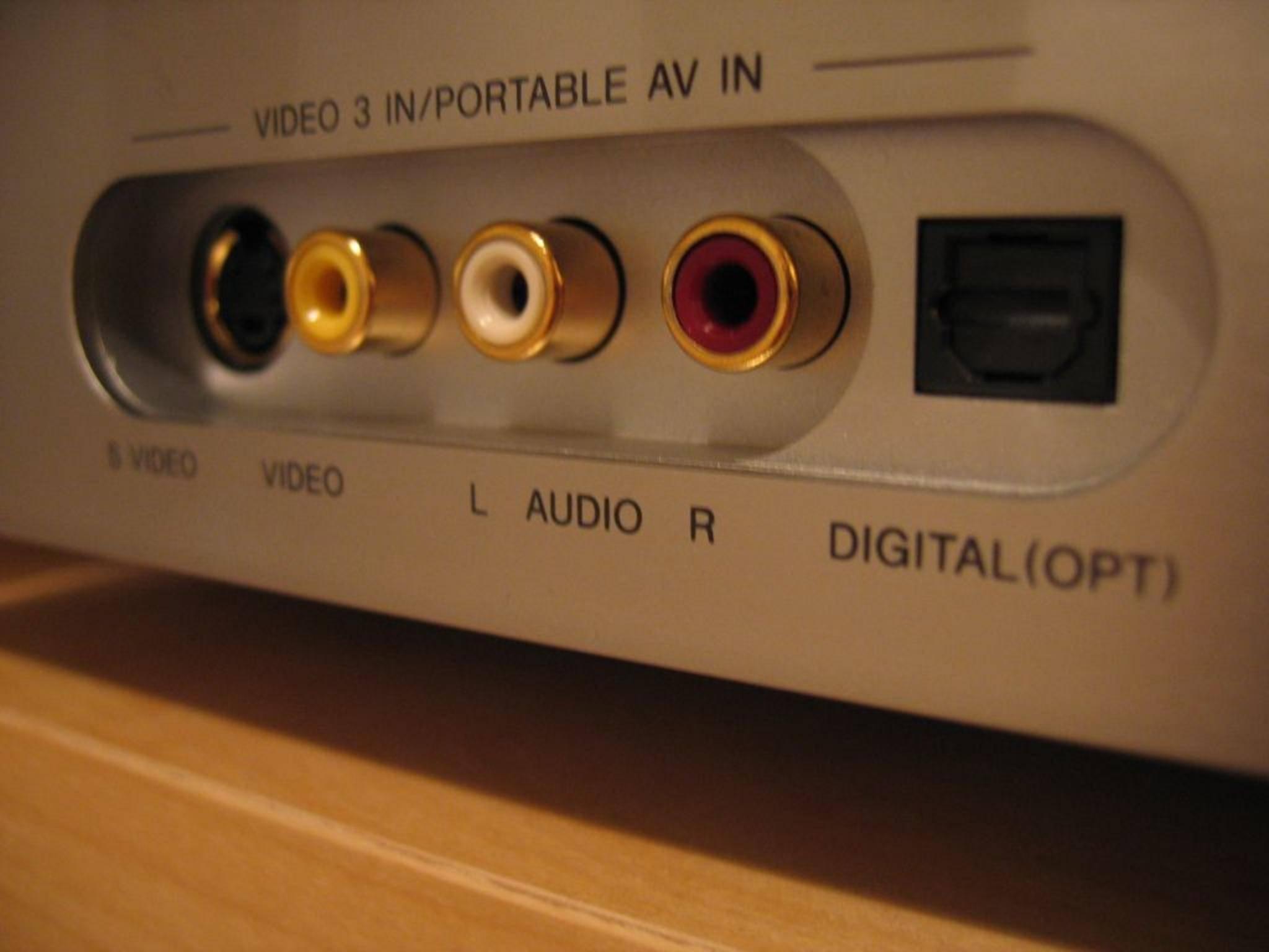 Je nach Preissegment verfügen AV-Receiver über unterschiedlich viele Anschlussmöglichkeiten.
