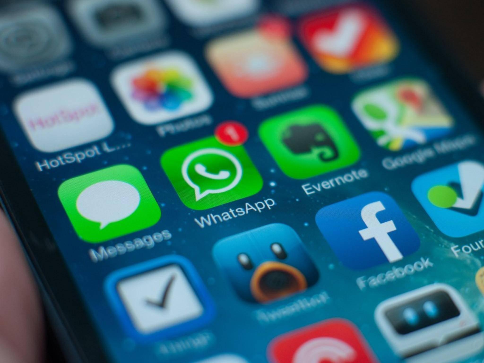 Einfach übertragen lässt sich der WhatsApp-Chatverlauf vom iOS- aufs Android-Gerät nicht.