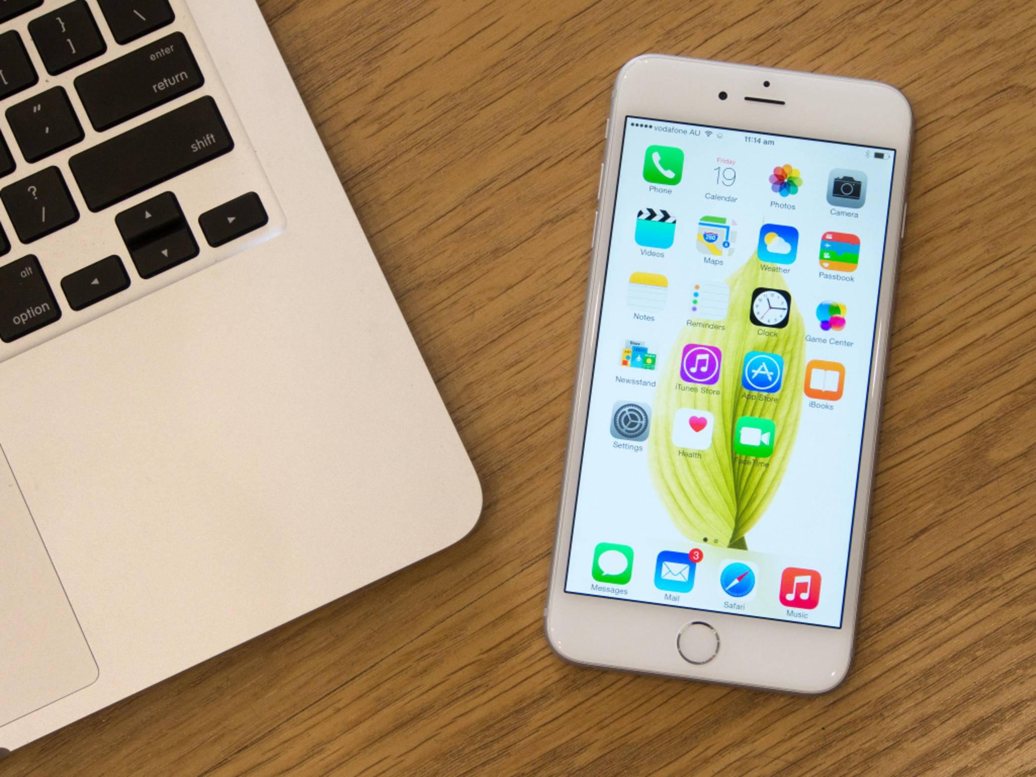 Für das iPhone 6 muss ein Deutscher mehr als 5 Tage arbeiten gehen.