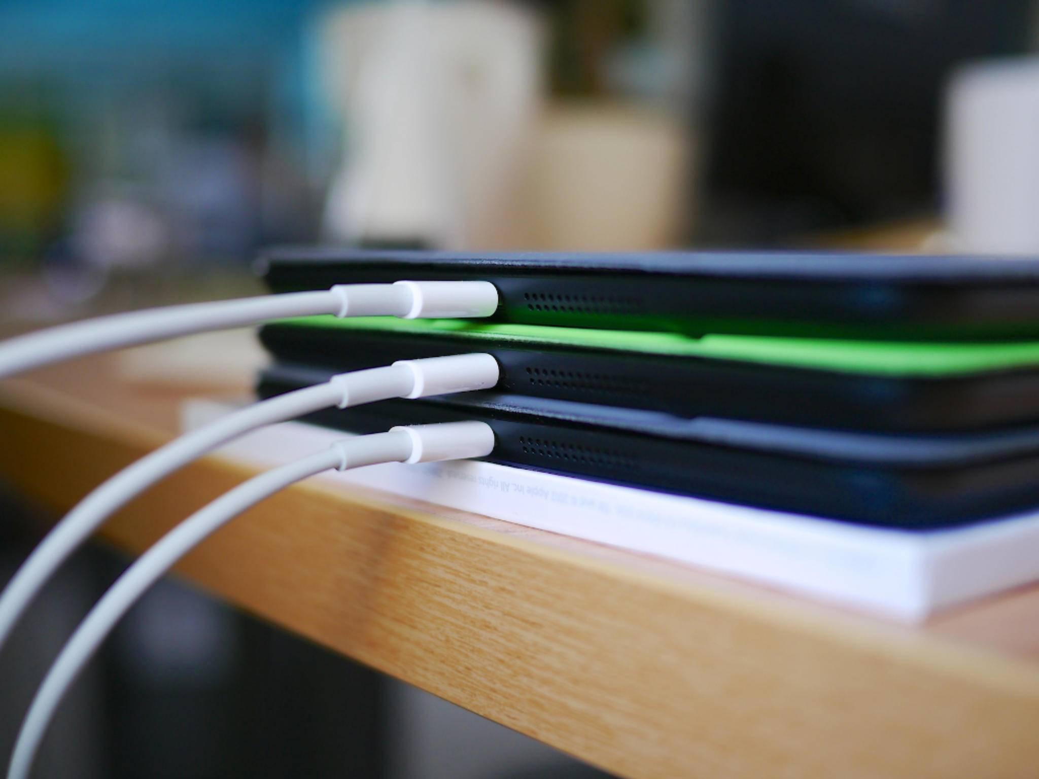 Wenn das iPad nicht mehr lädt, kann das mehrere Ursachen haben.