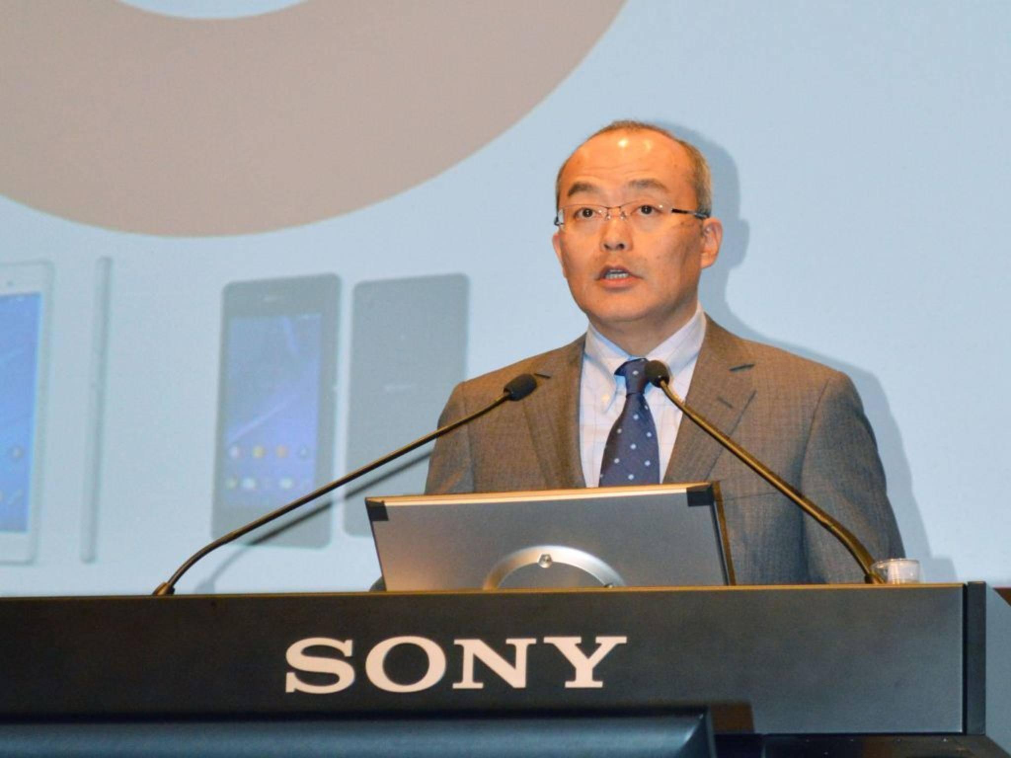 Herbe Verluste: Sonys Mobile-Chef Hiroki Totoki kündigt Einsparungen an.
