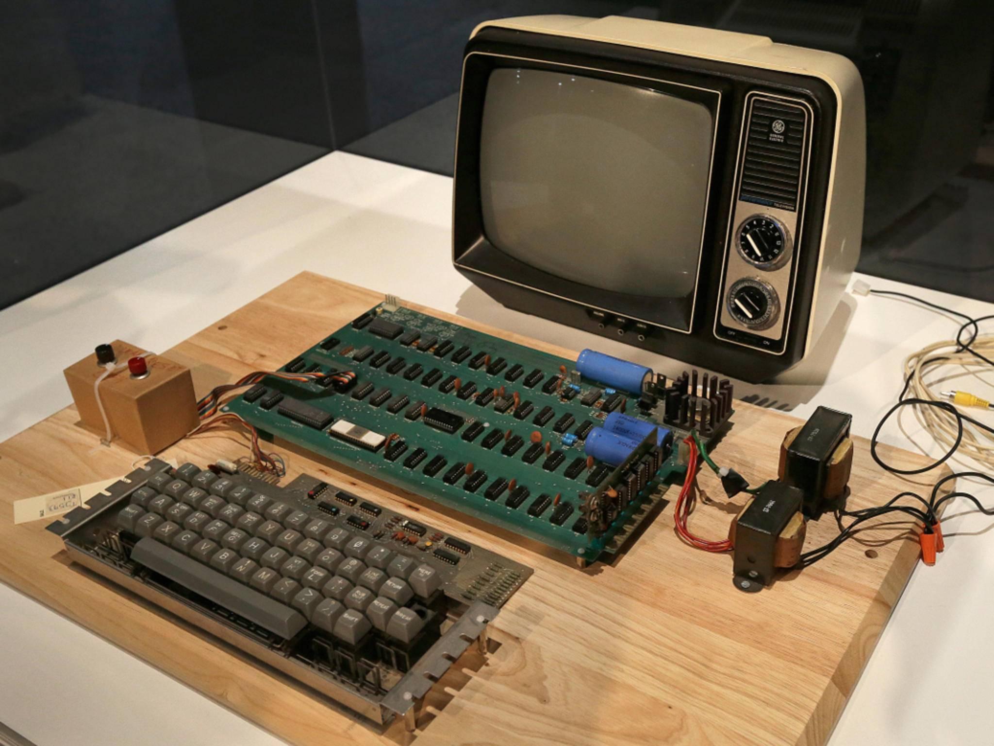 Ein Apple-1 wie dieser wurde Steve Jobs aus der Garage verkauft.
