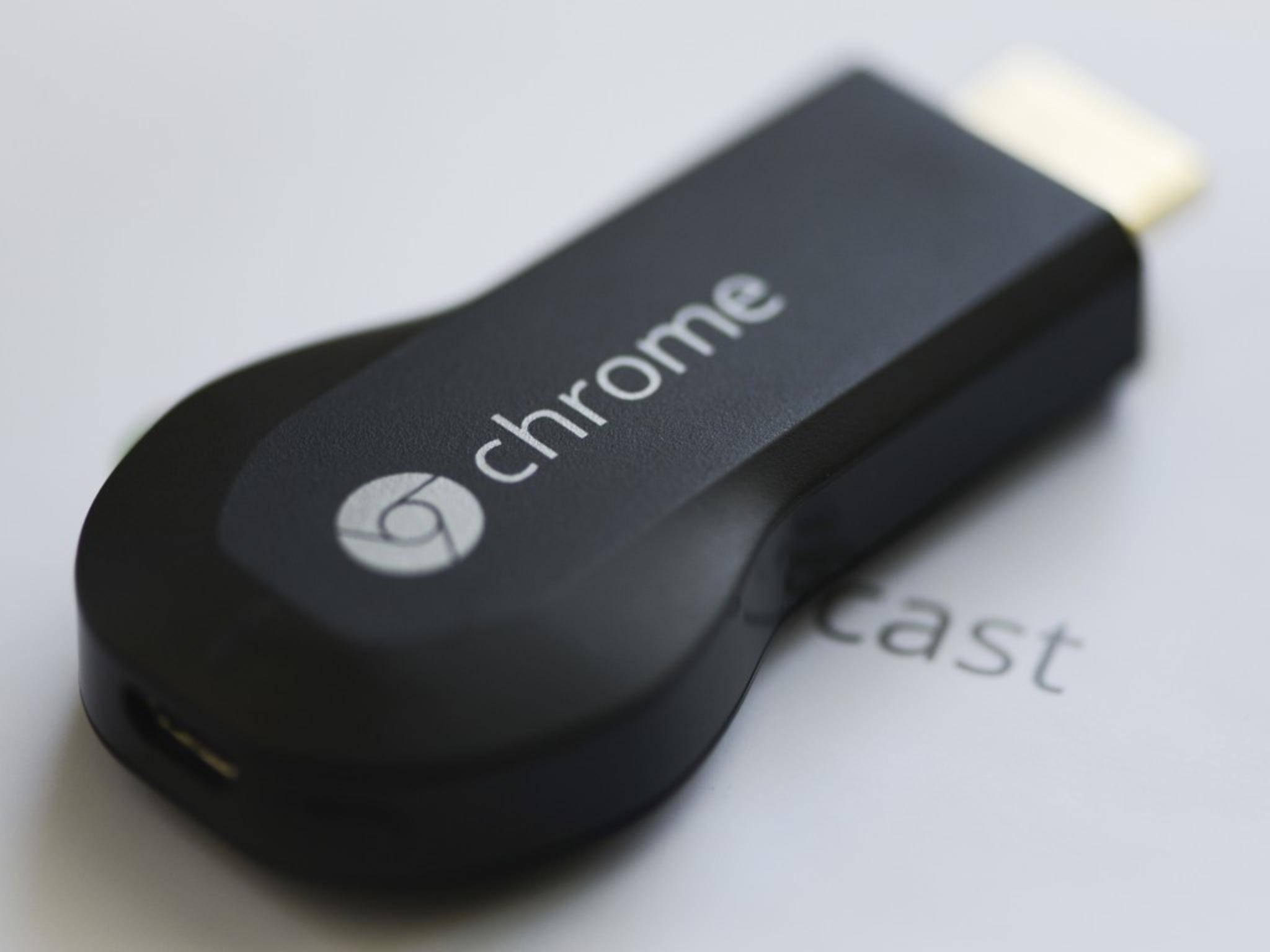 Chromecast spiegelt den Inhalt des Smartphones.