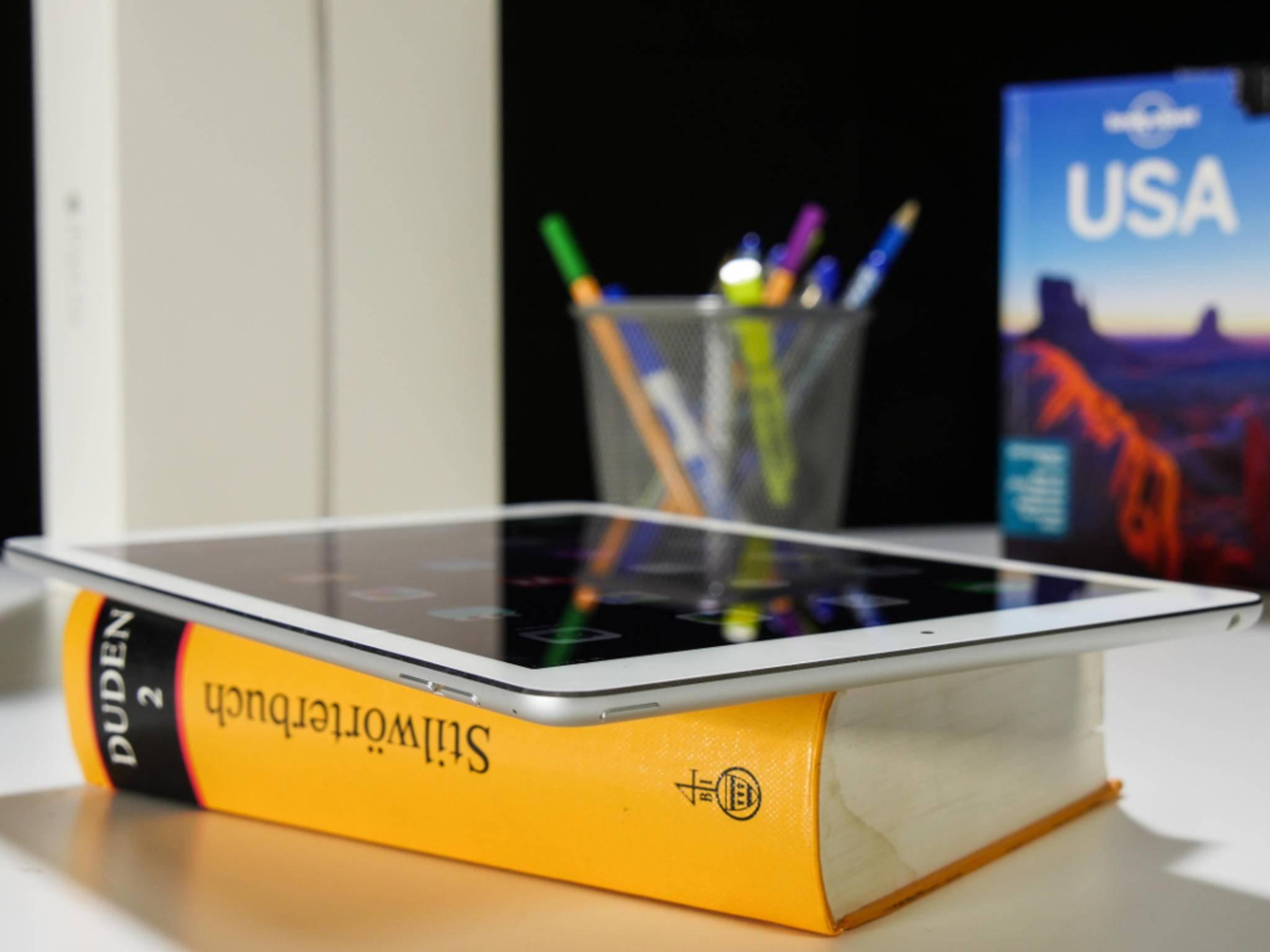 Von der Seite wird klar, wie viel Platz Apple beim neuen iPad Air 2 eingespart hat.