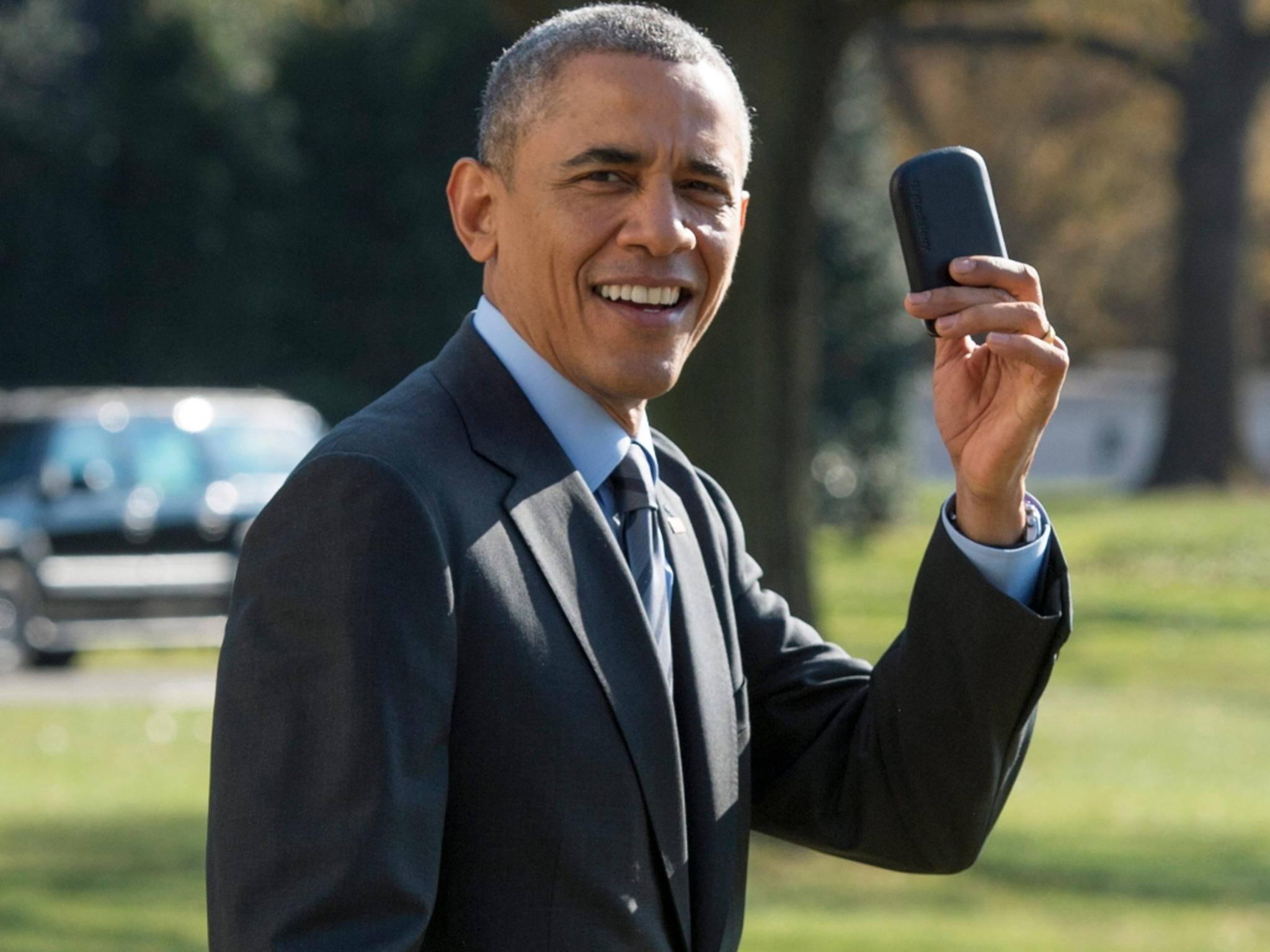 US-Präsident Barack Obama mit seinem BlackBerry.