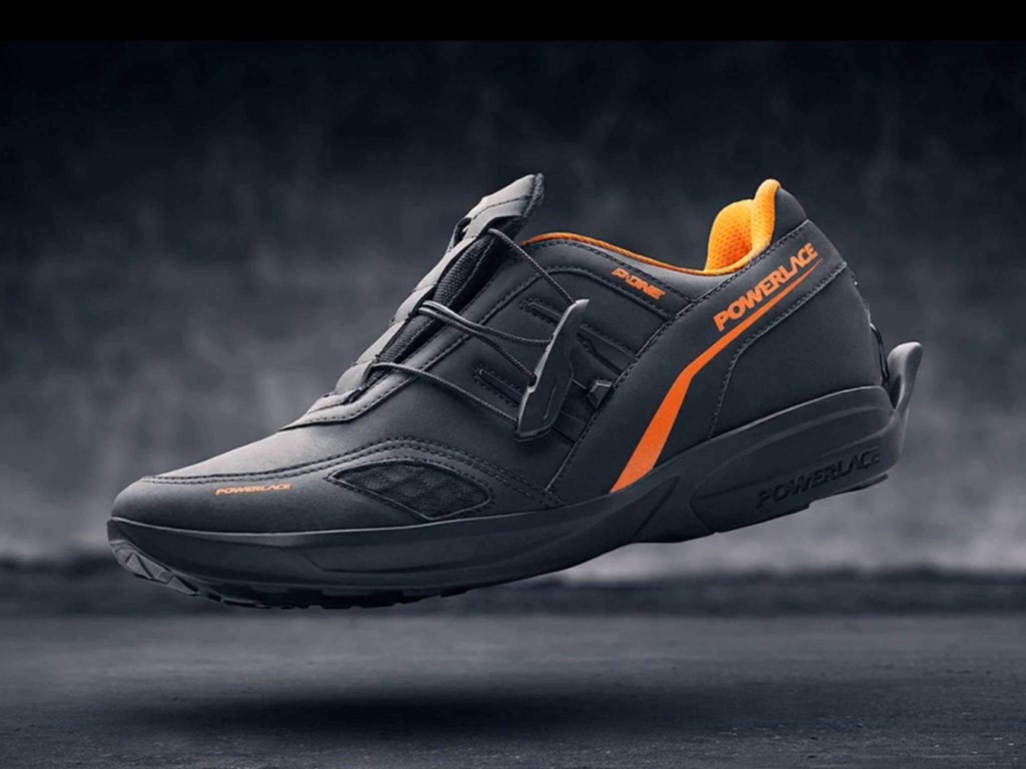 Nie wieder Schuhe binden – das erledigt der Powerlace P-One ganz von selbst.