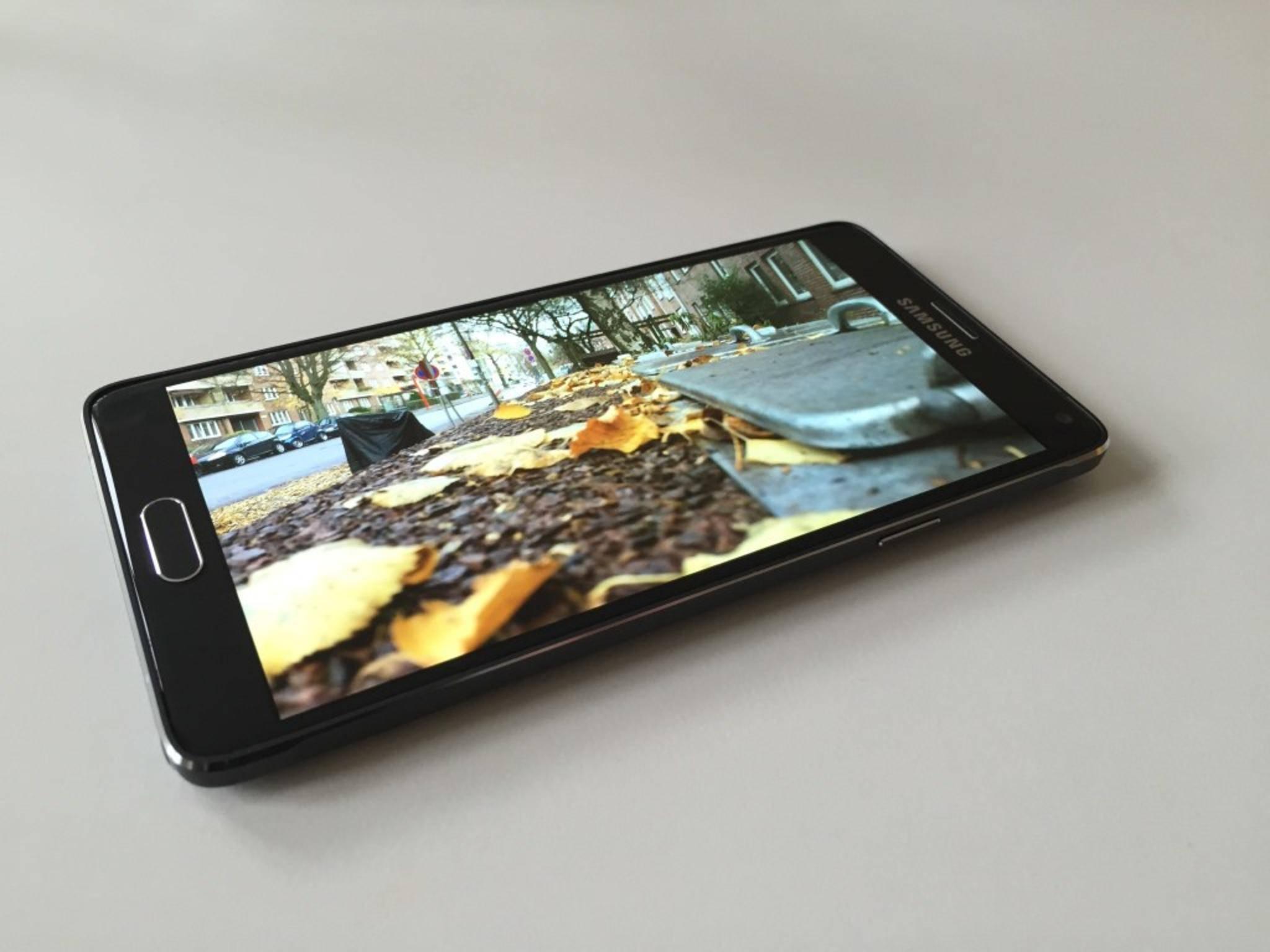 Das Samsung Galaxy Note 4 besticht mit einem klaren QHD-Display.