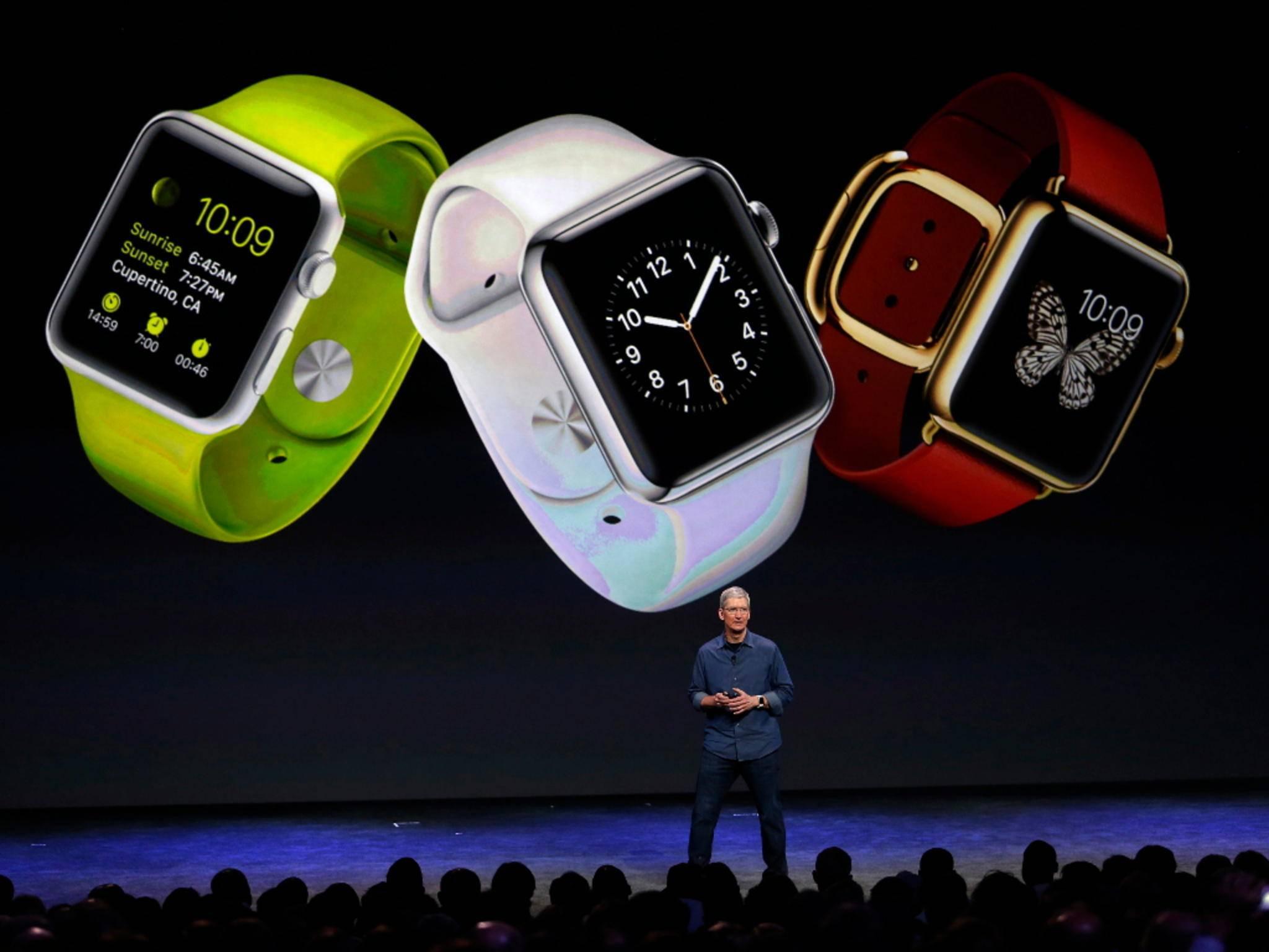 Tim Cook präsentiert auf einer Keynote die neue Apple Watch.