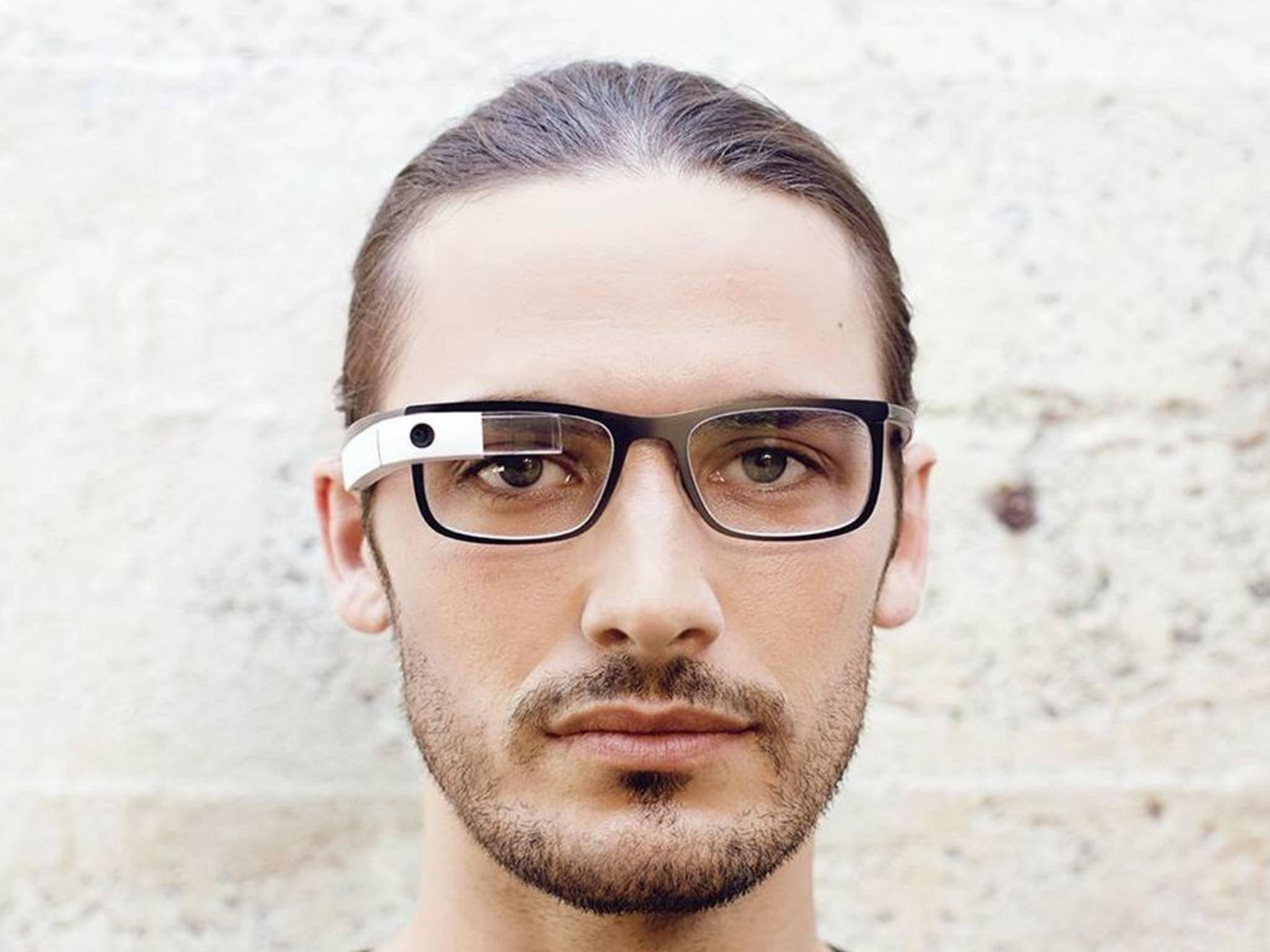 Die erste Version der Google Glass war noch nicht zusammenklappbar.