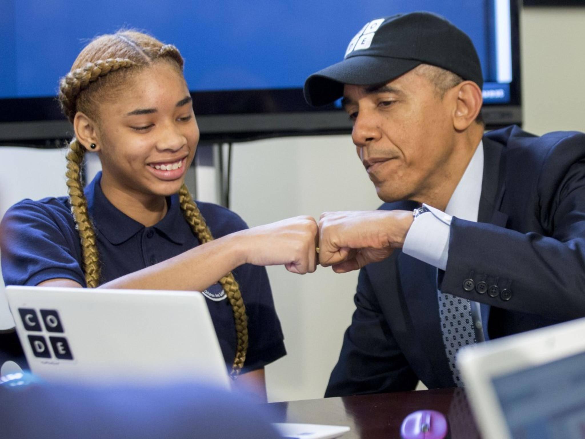 Schülerin Adrianna Mitchell aus New Jersey erklärte Präsident Obama eine Programmier-Lernsoftware.
