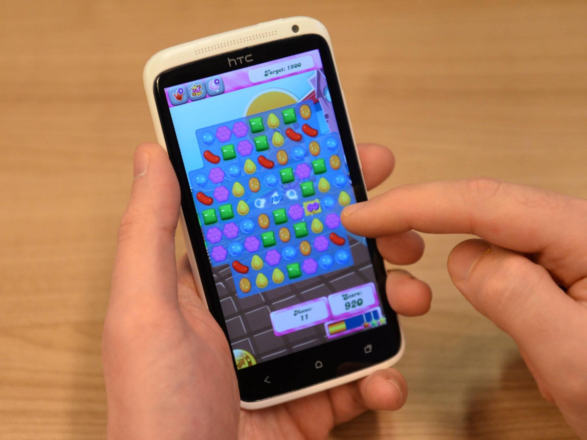 Candy Crush auf einem Smartphone
