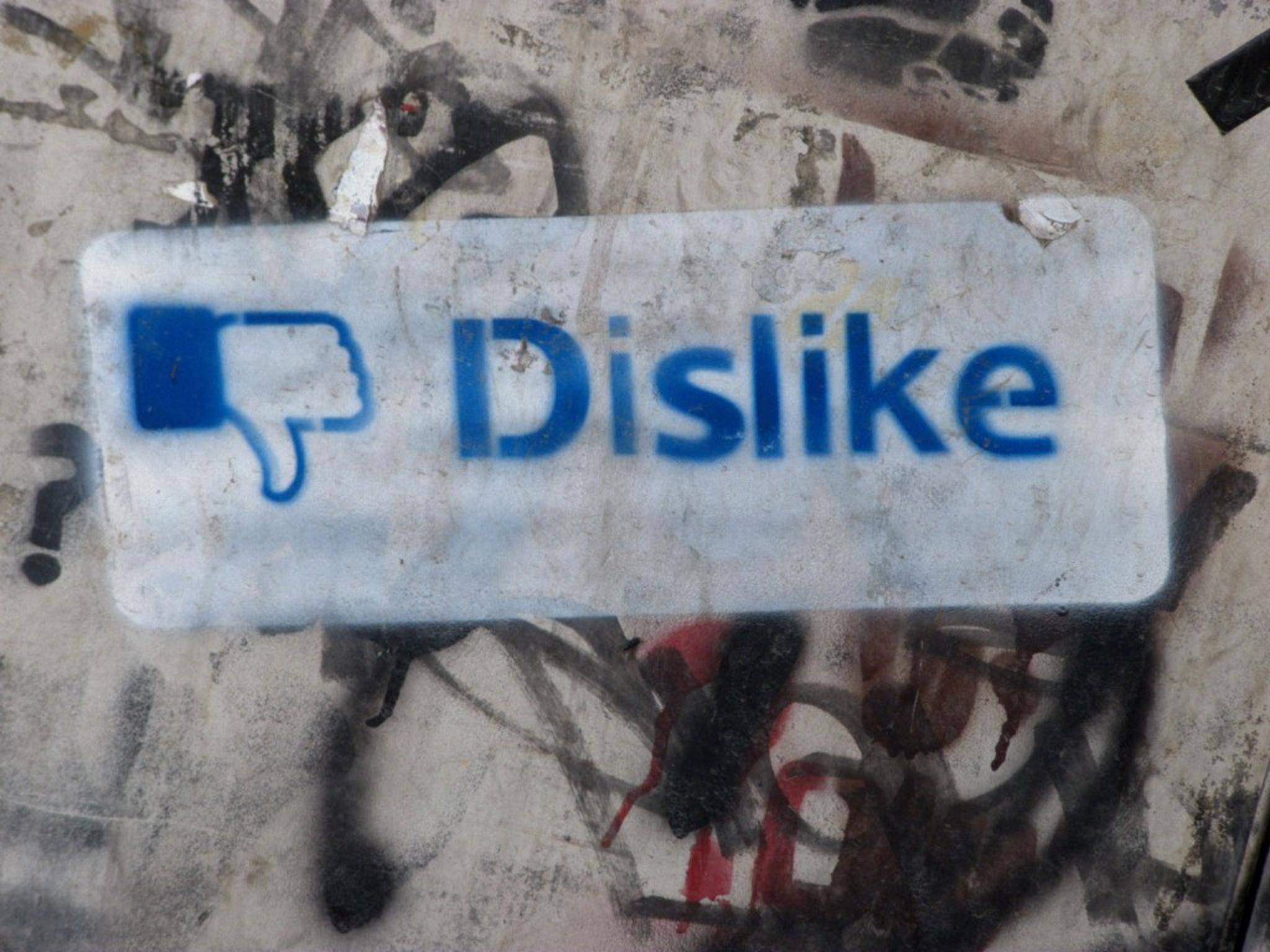 """Auf """"Dislike""""-Daumen trifft man bisher nur außerhalb von Facebook."""