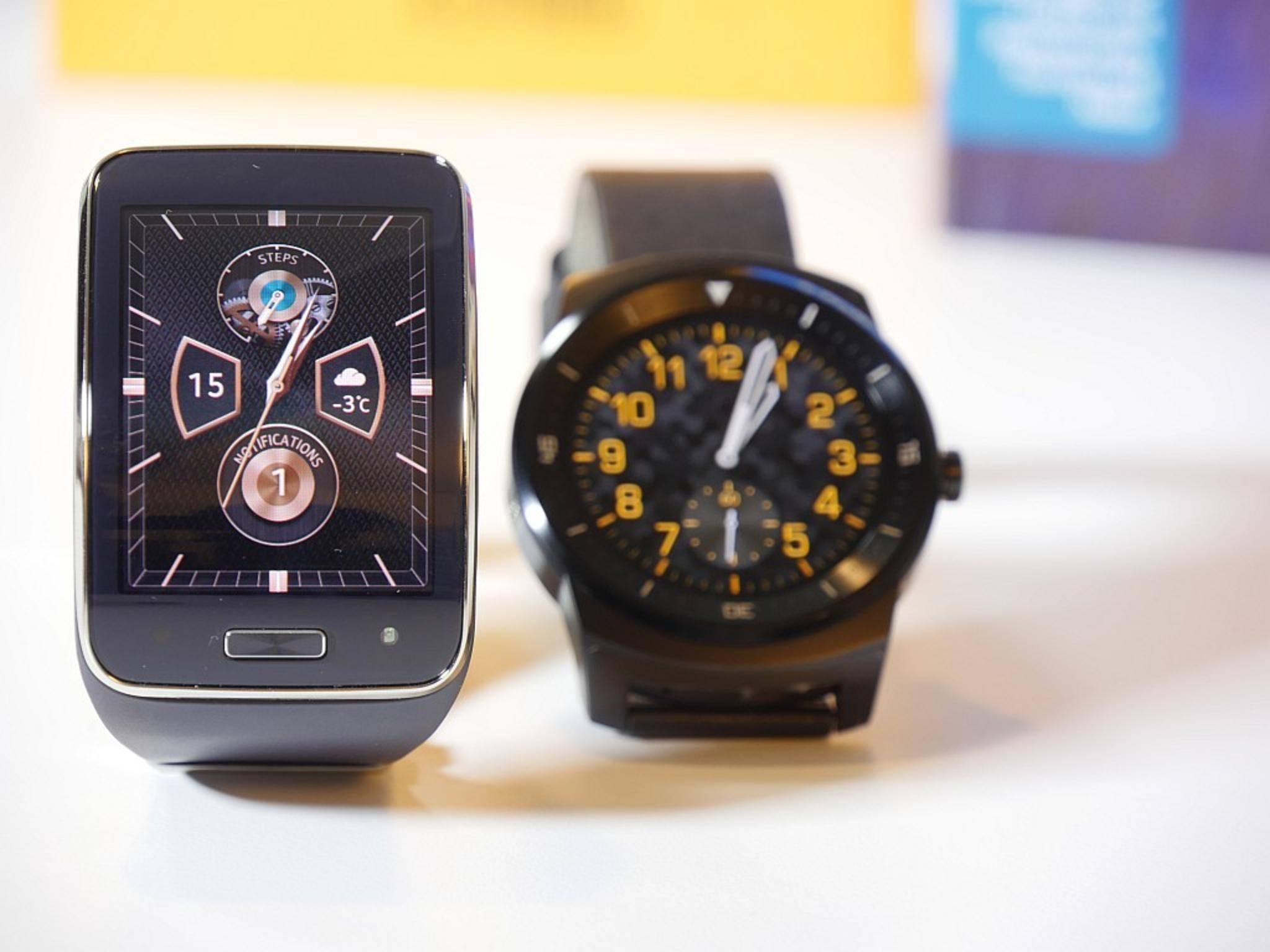 Auch mit klassischem Uhrenhintergrund wirkt die Gear S mehr wie ein Technik-Gadget.