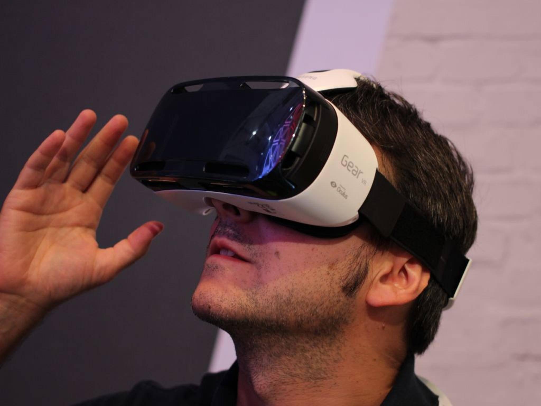 Apples VR-Brille könnte ähnlich wie Samsungs Gear VR funktionieren.