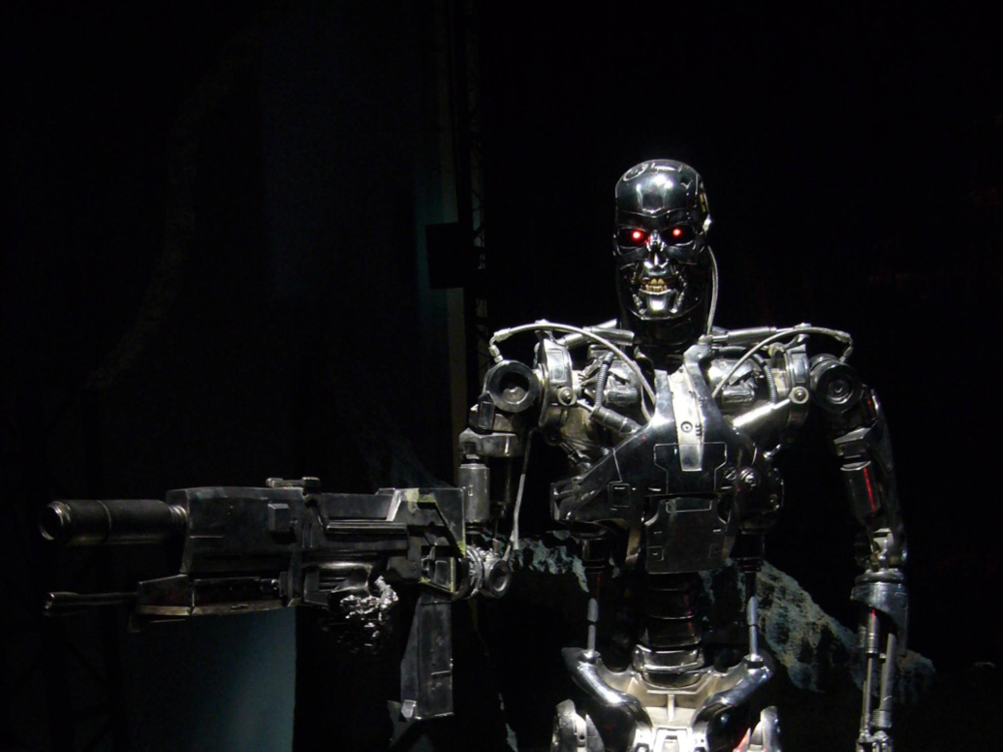 Werden Roboter intelligent, könnten sie laut Stephen Hawking zur Gefahr für die Menschheit werden.