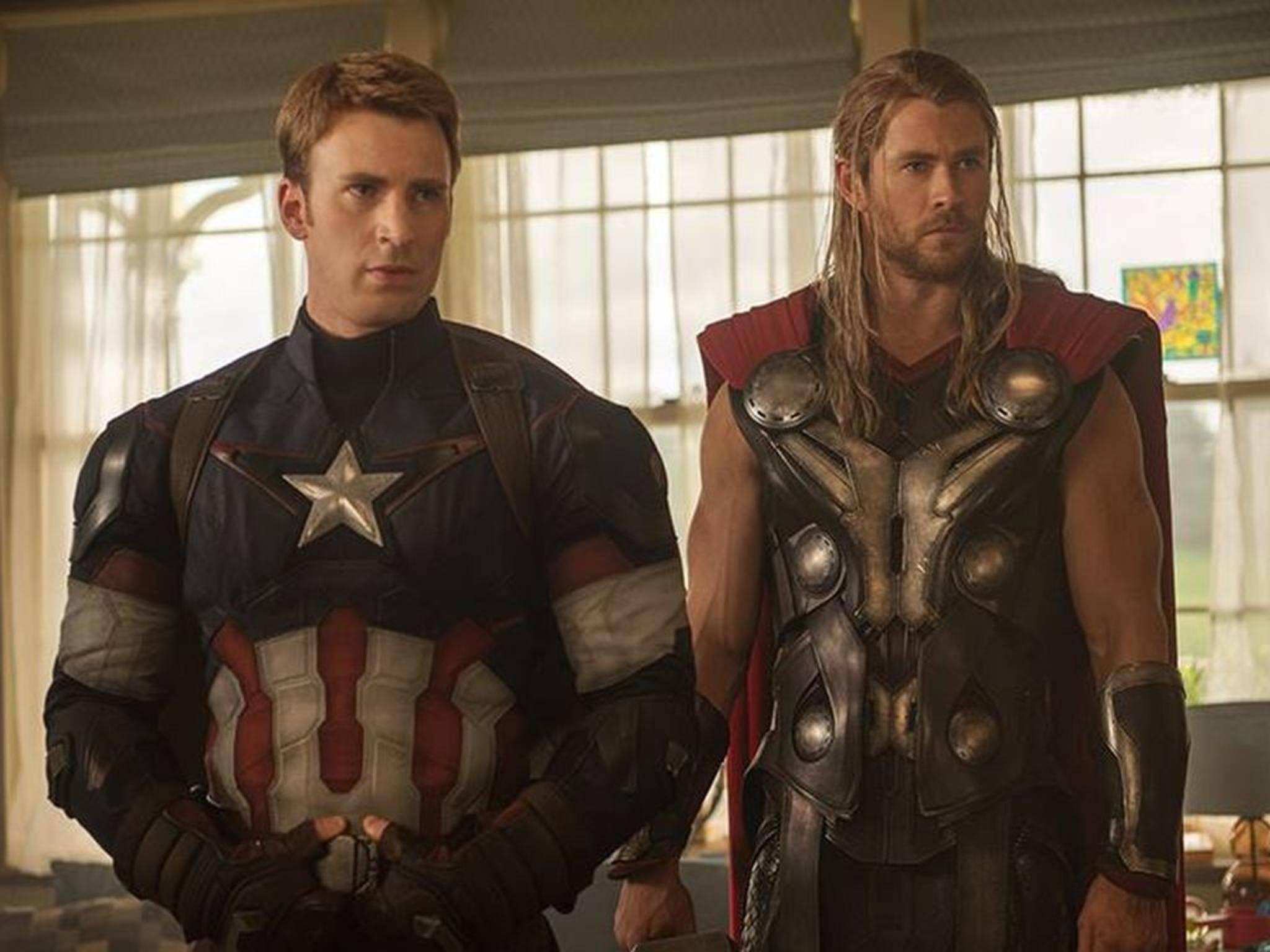 """""""Lego-Superhelden...?"""" - Captain America und Thor schauen noch etwas skeptisch."""