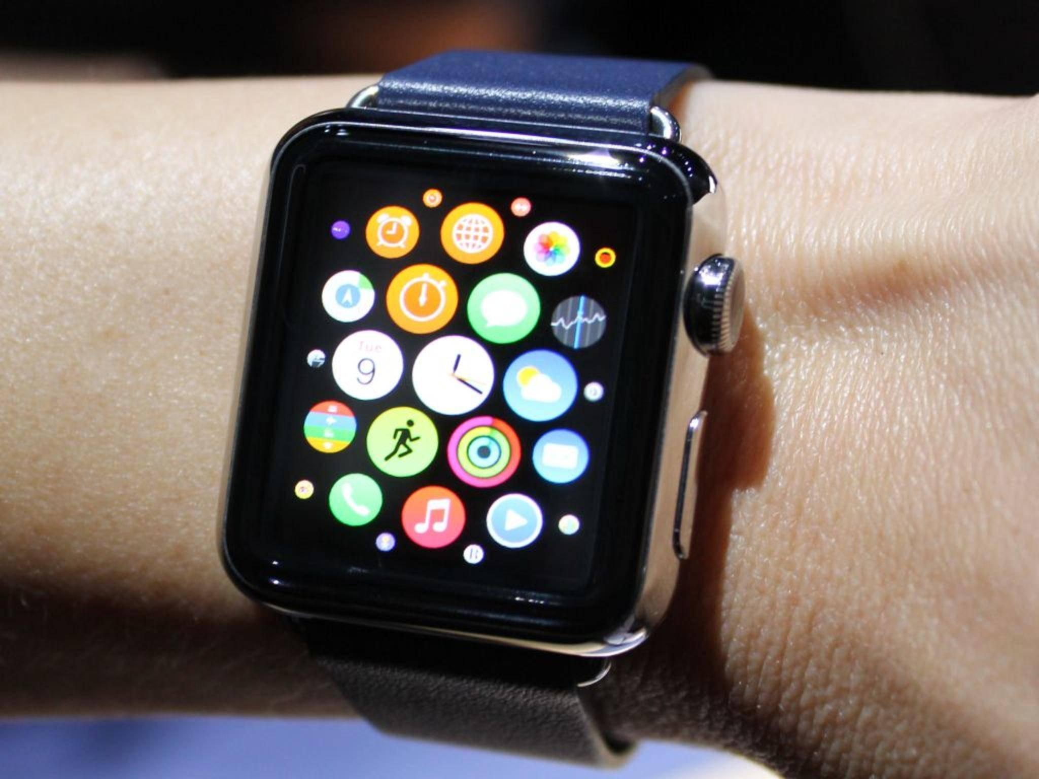 """""""Ist die nicht zu groß für mein schmales Handgelenk?"""" Apples Design-Dokumente geben jetzt Auskunft über die Größe der Apple Watch."""