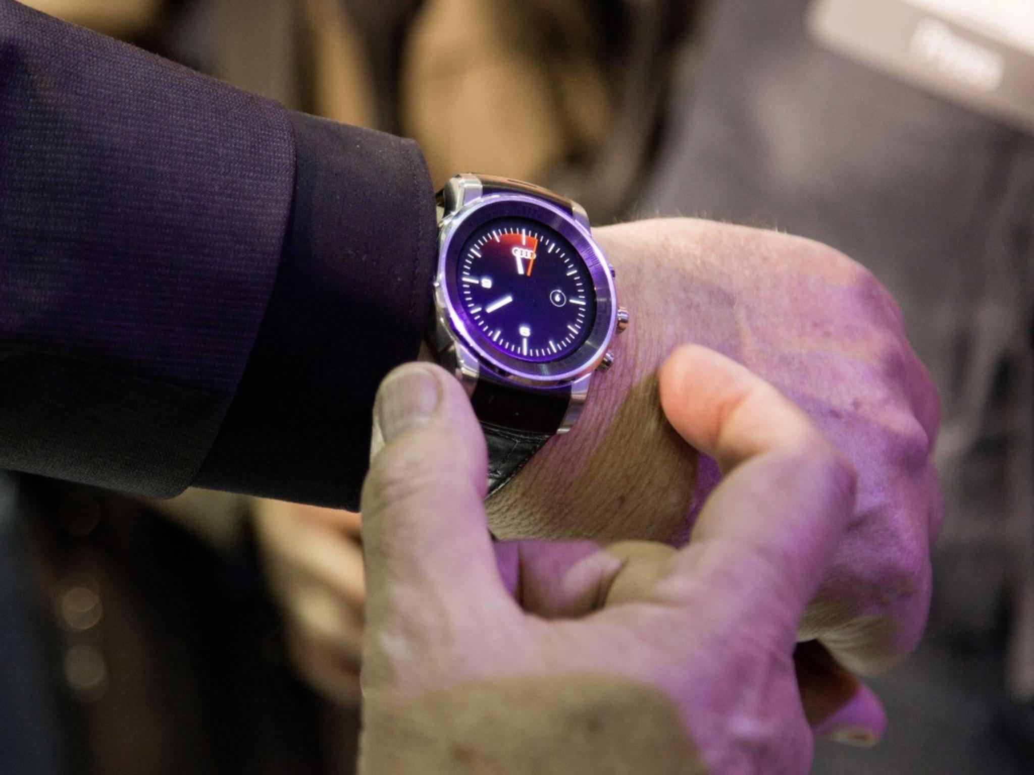 Audi zeigte am Rande einer Pressekonferenz auch eine bisher unbekannte LG Smartwatch.