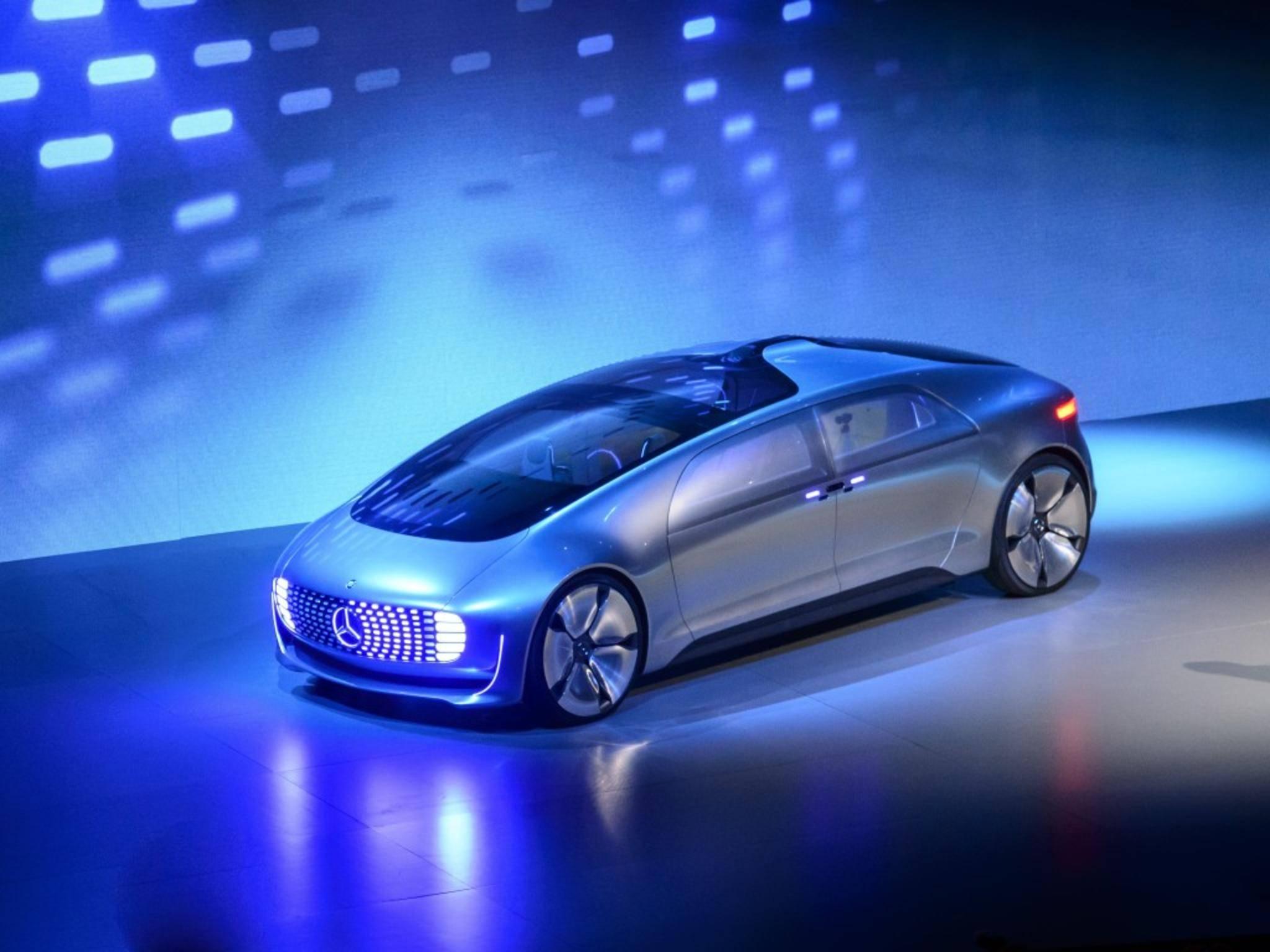 Das futuristische Design wird von großen LED-Flächen geprägt.