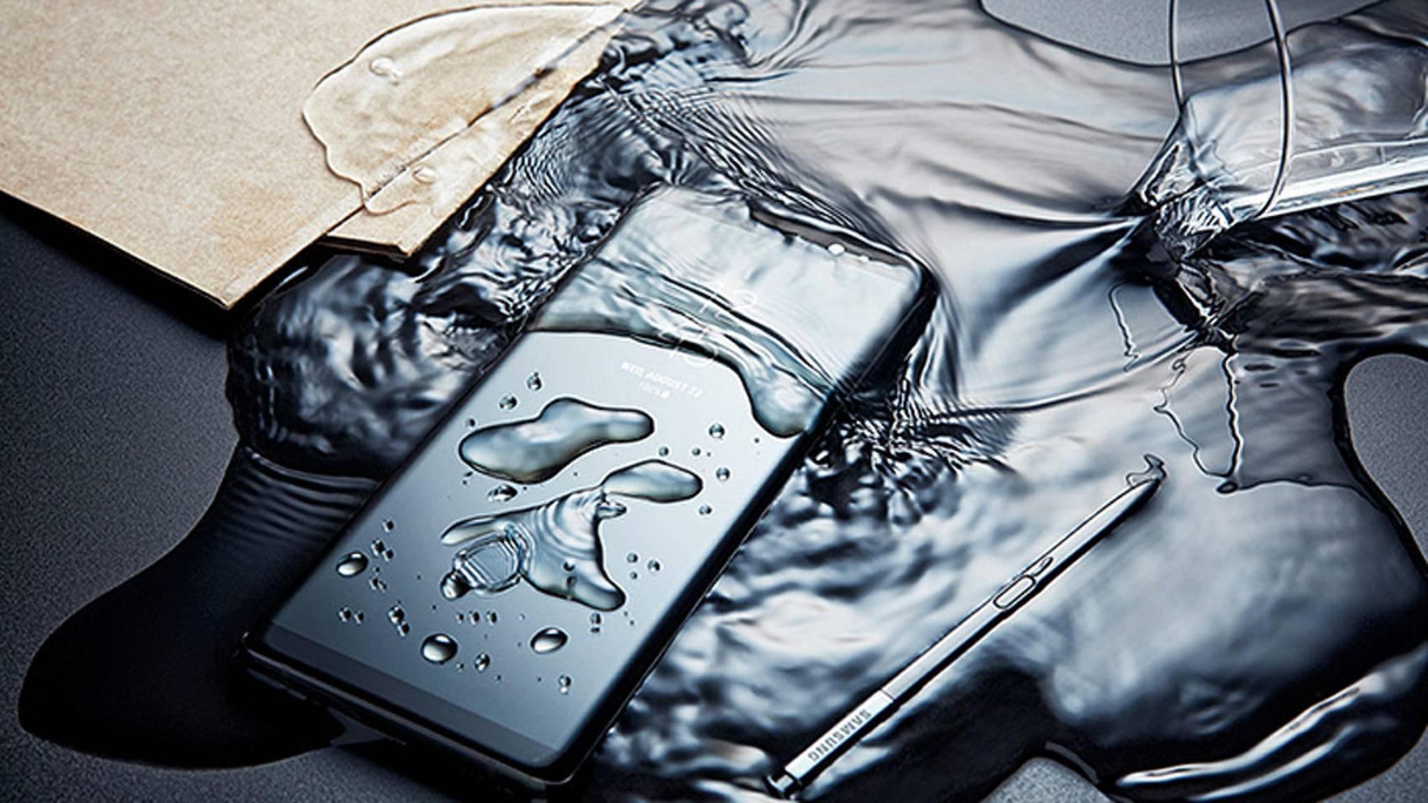 Kein Grund zur Panik: Viele Smartphones sind gegen Wasser geschützt.