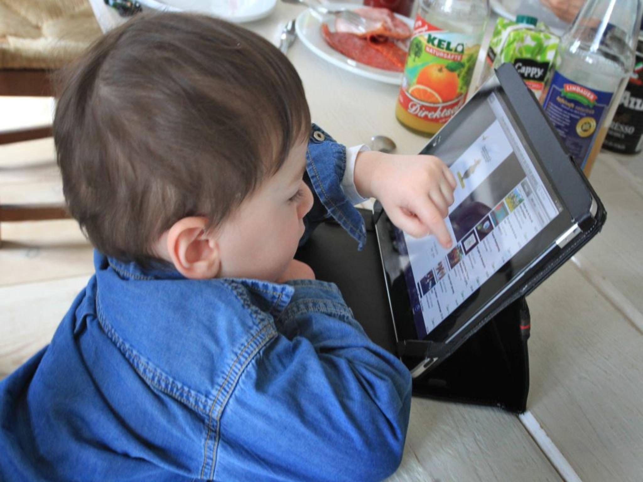 Früher wurden Kinder vor dem Fernseher geparkt, heute haben sie Tablets: YouTube Kids kommt.