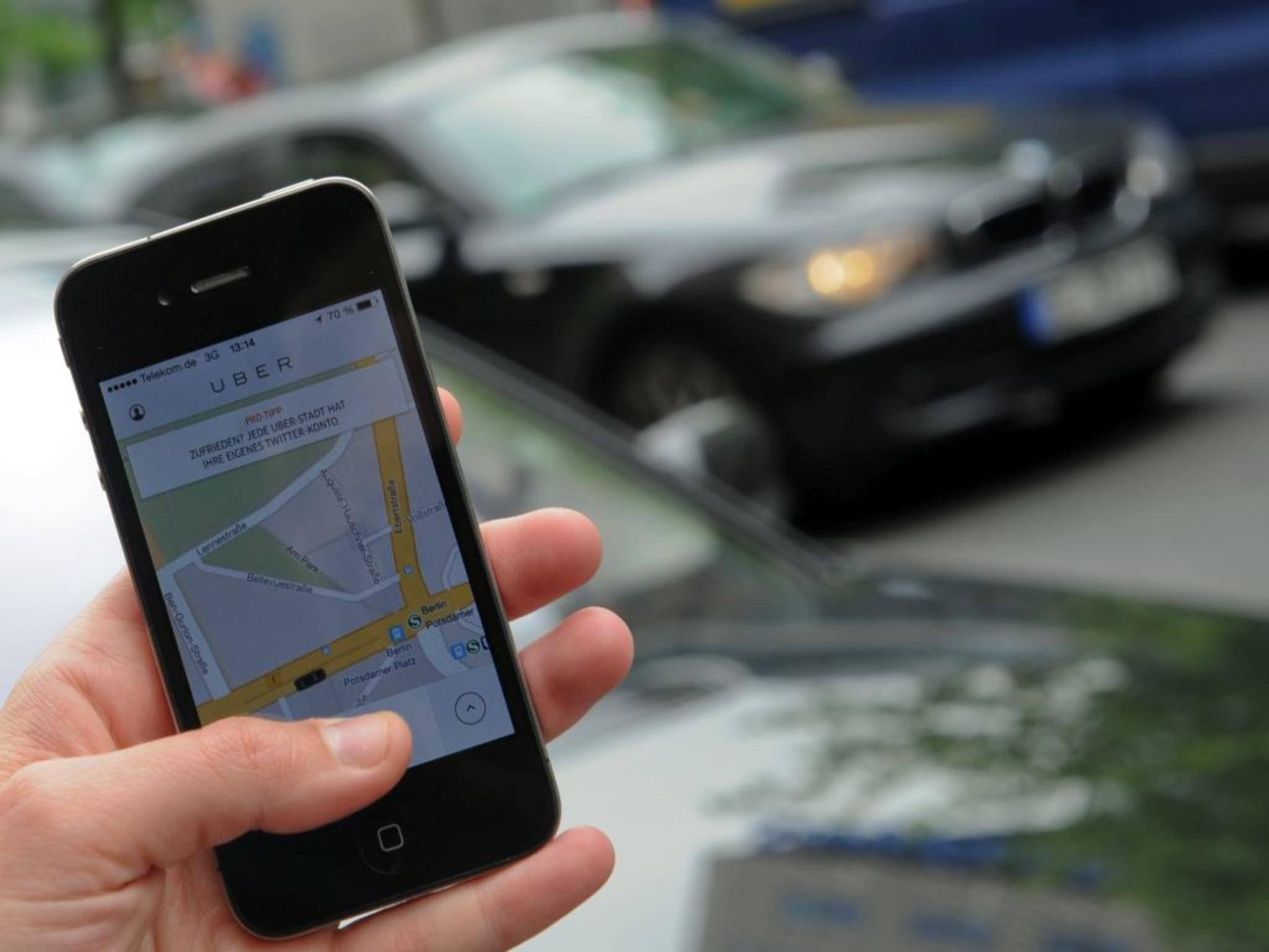 Google will angeblich dem Taxi-Dienst Uber Konkurrenz machen.