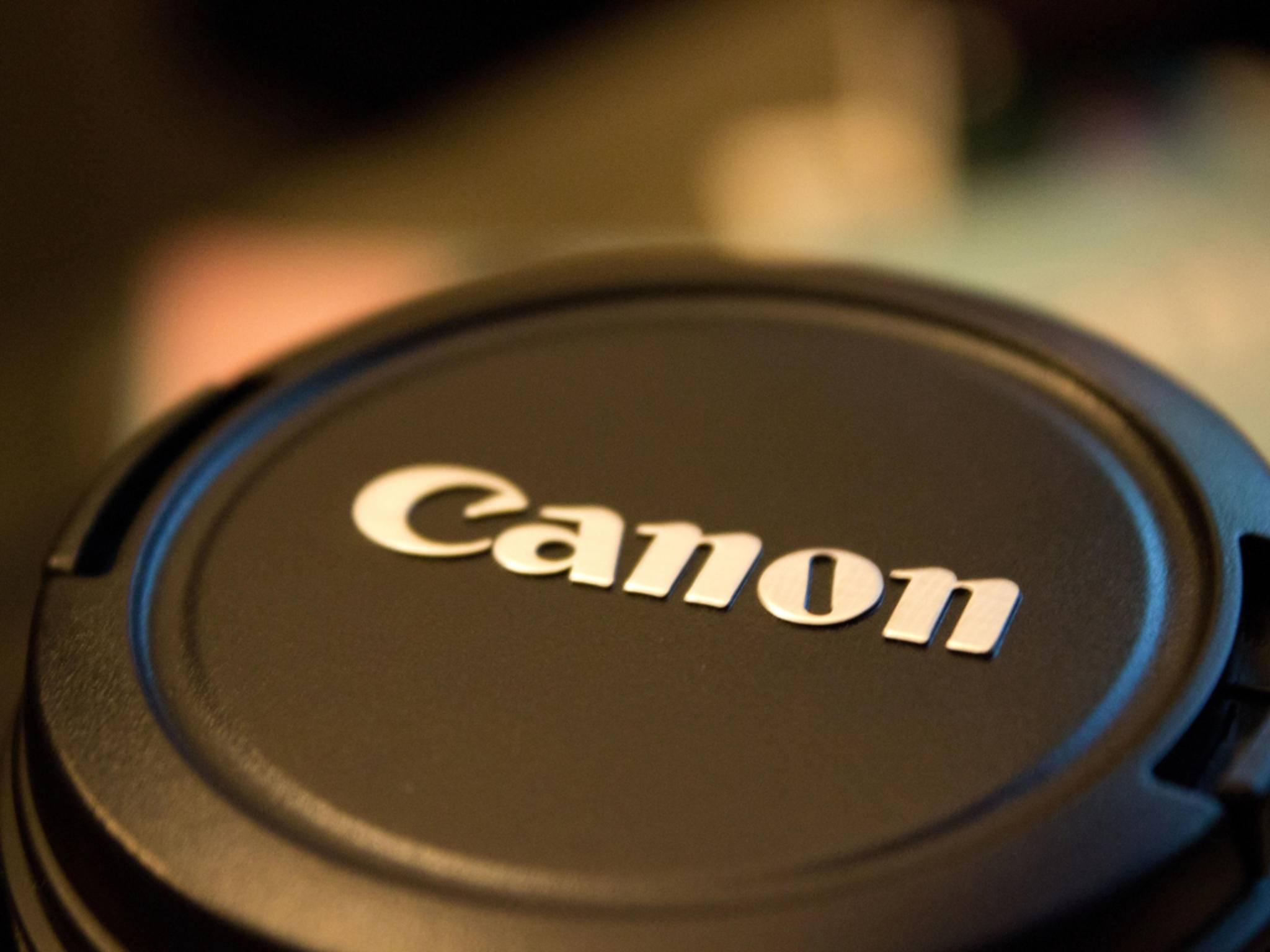 Die Canon EOS M3 soll ein klappbares LCD-Display bekommen.