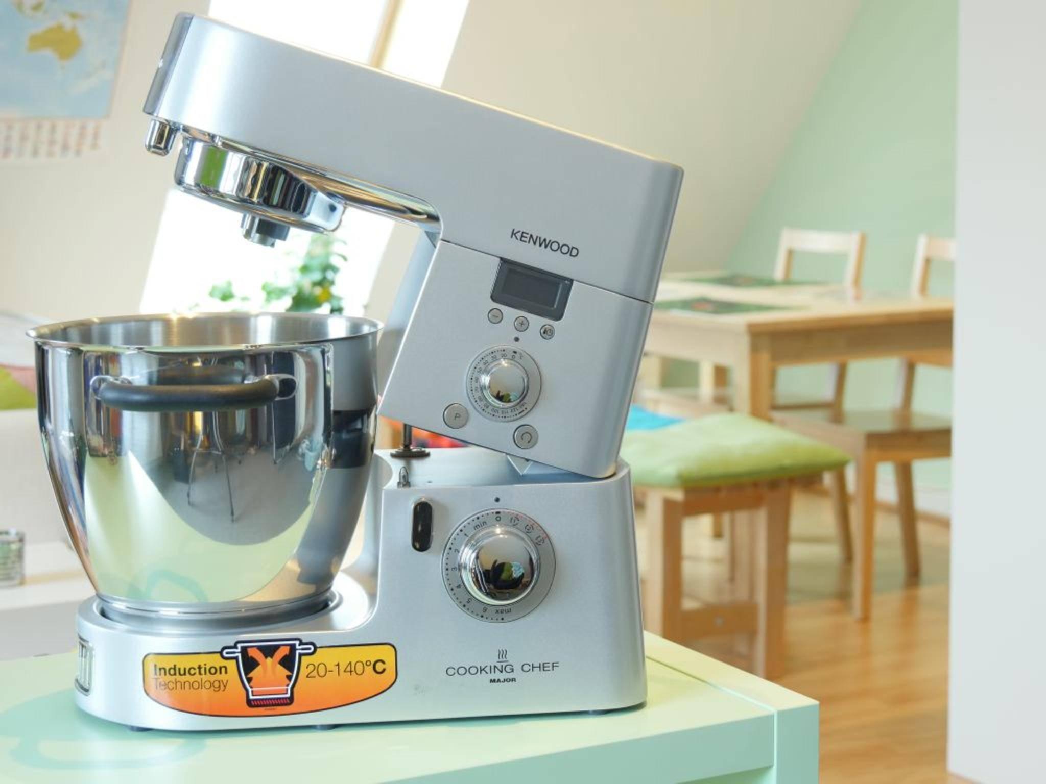 Die Kenwood Cooking Chef kann viel, ist aber auch teuer.
